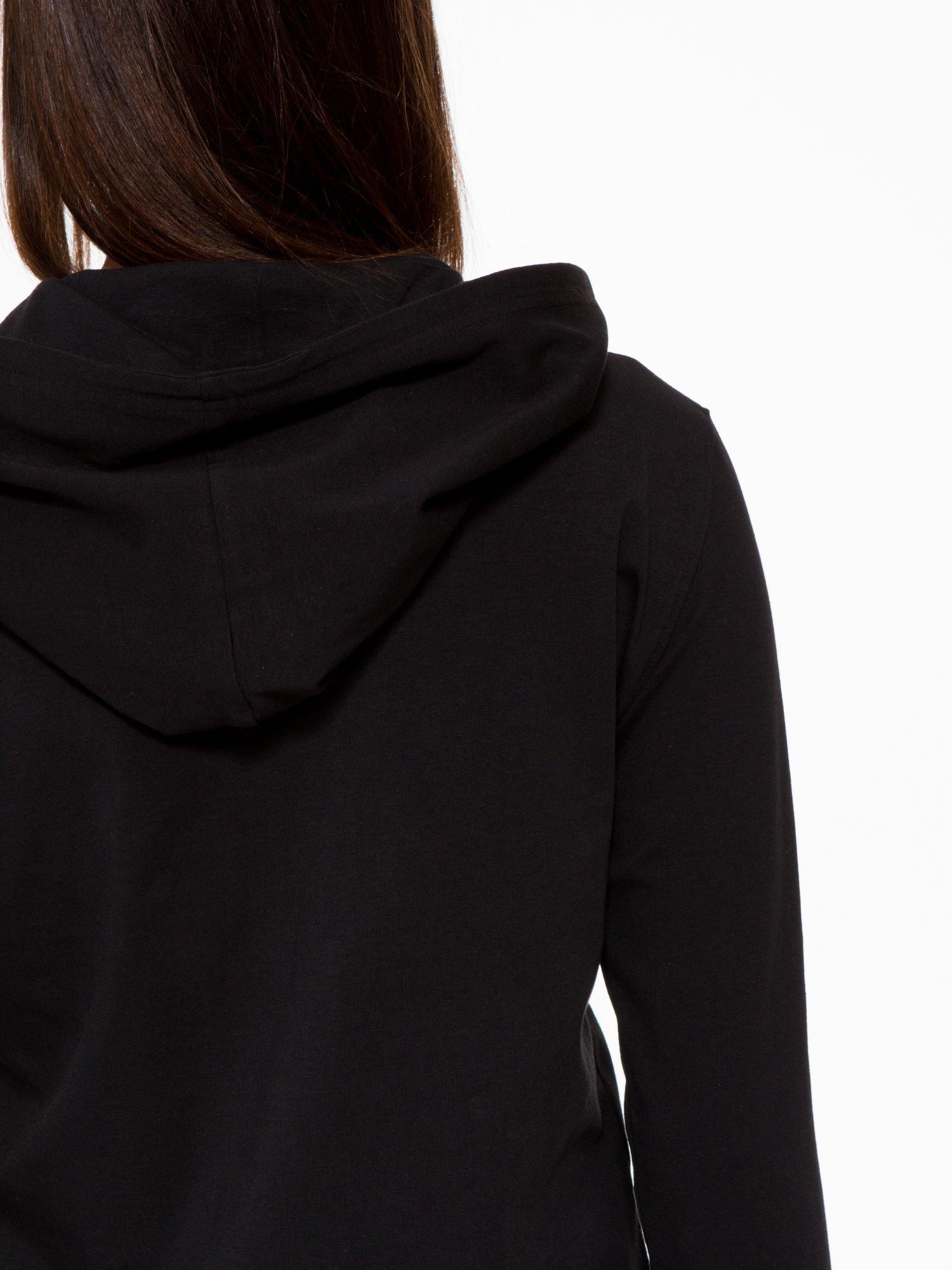 Czarna bluza dresowa z asymetrycznym suwakiem i kapturem                                  zdj.                                  11