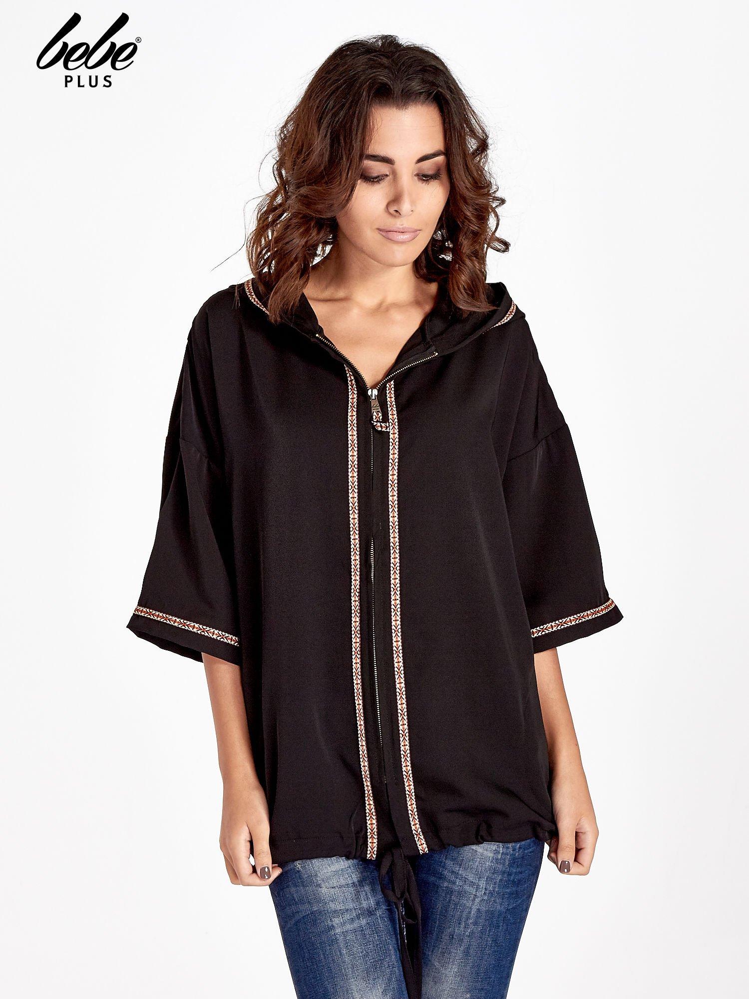 Czarna bluza z kapturem w stylu boho                                  zdj.                                  1