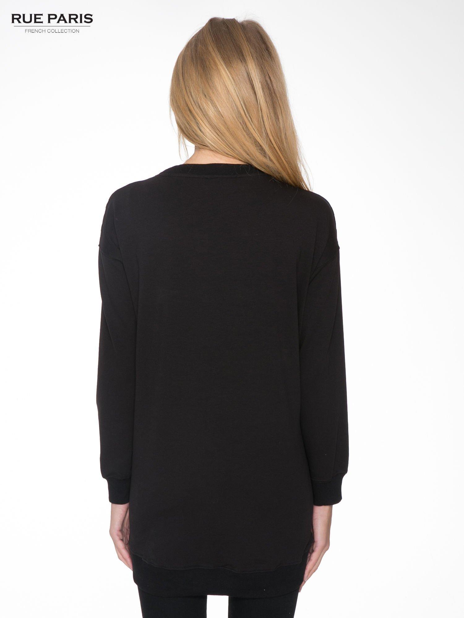 Czarna bluza z luźnymi rękawami o bąbelkowej fakturze                                  zdj.                                  4