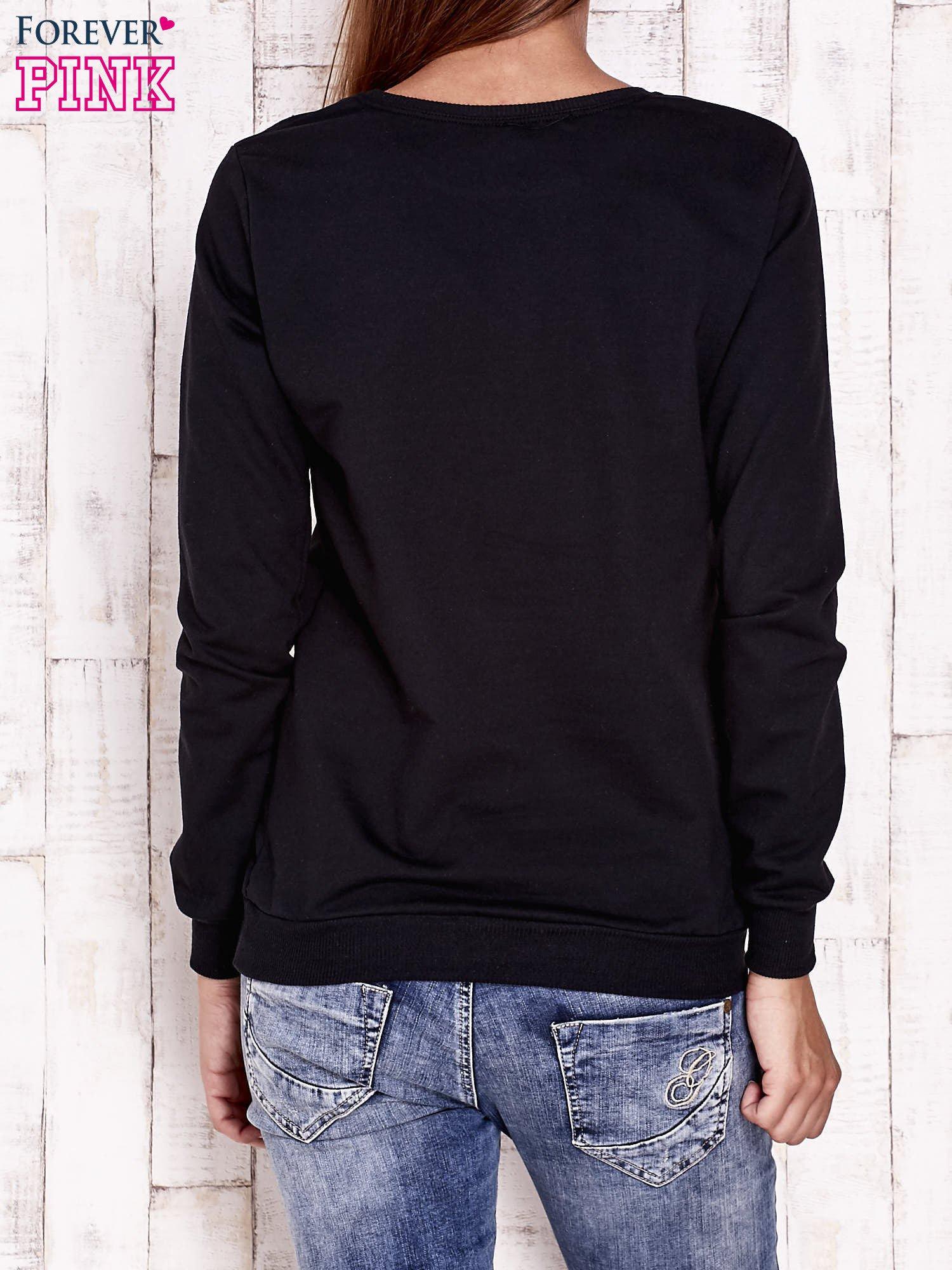 Czarna bluza z nadrukiem psa                                  zdj.                                  4