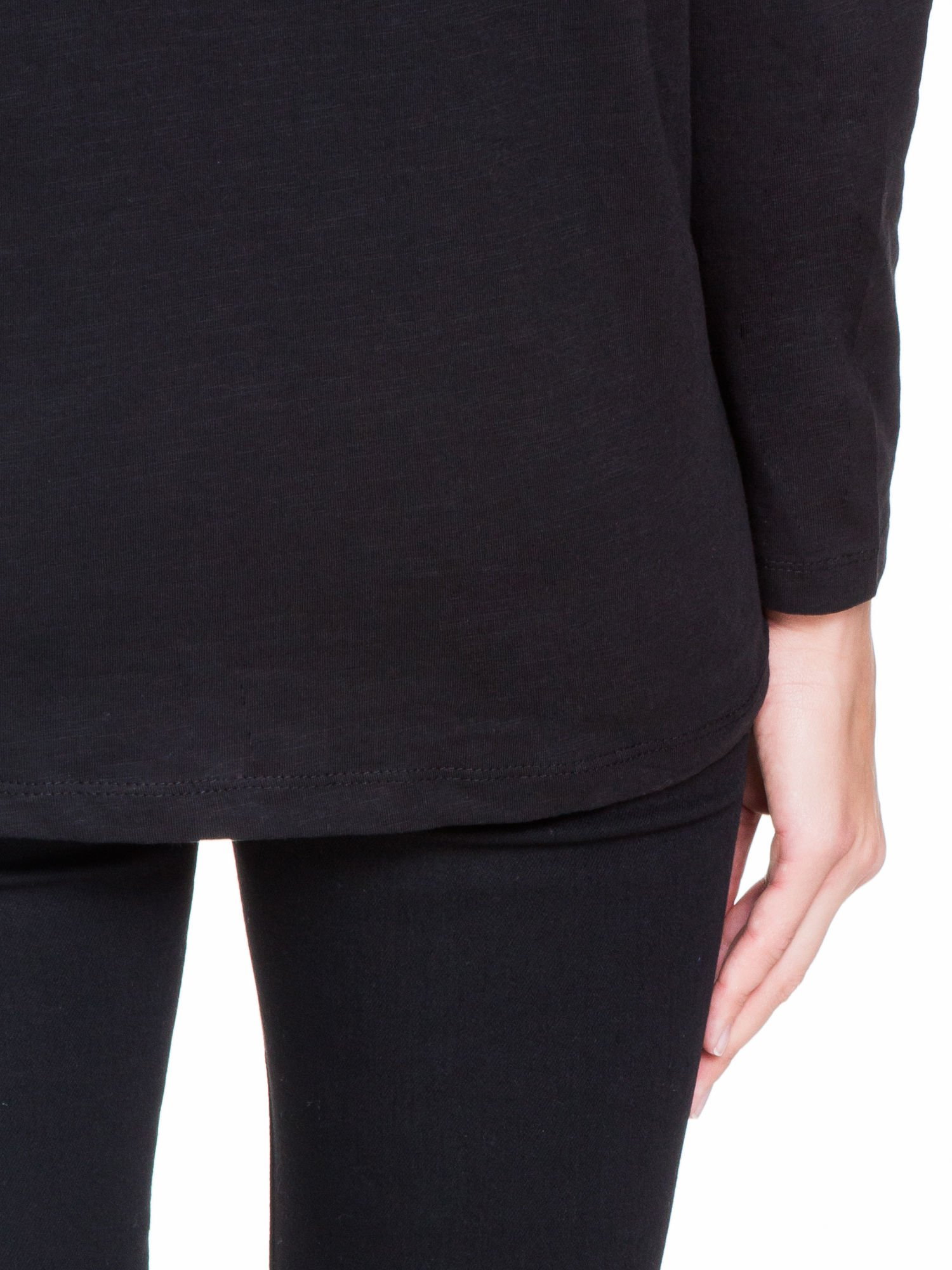 Czarna bluzka z wiązanym oczkiem z tyłu                                  zdj.                                  8