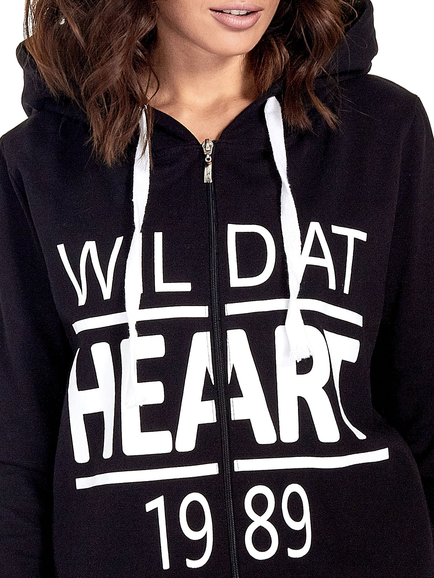 Czarna damska bluza z kapturem i napisem WILD AT HEART 1989                                  zdj.                                  6
