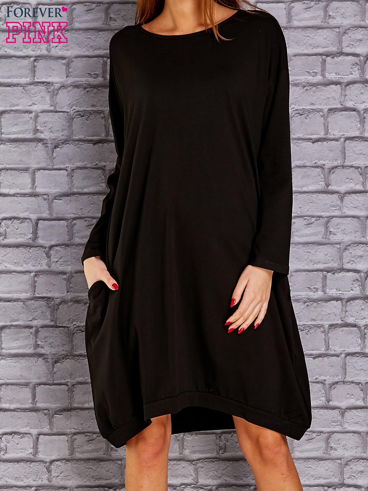 ea0a55b6ae Czarna dresowa sukienka oversize z kieszeniami - Sukienka na co ...