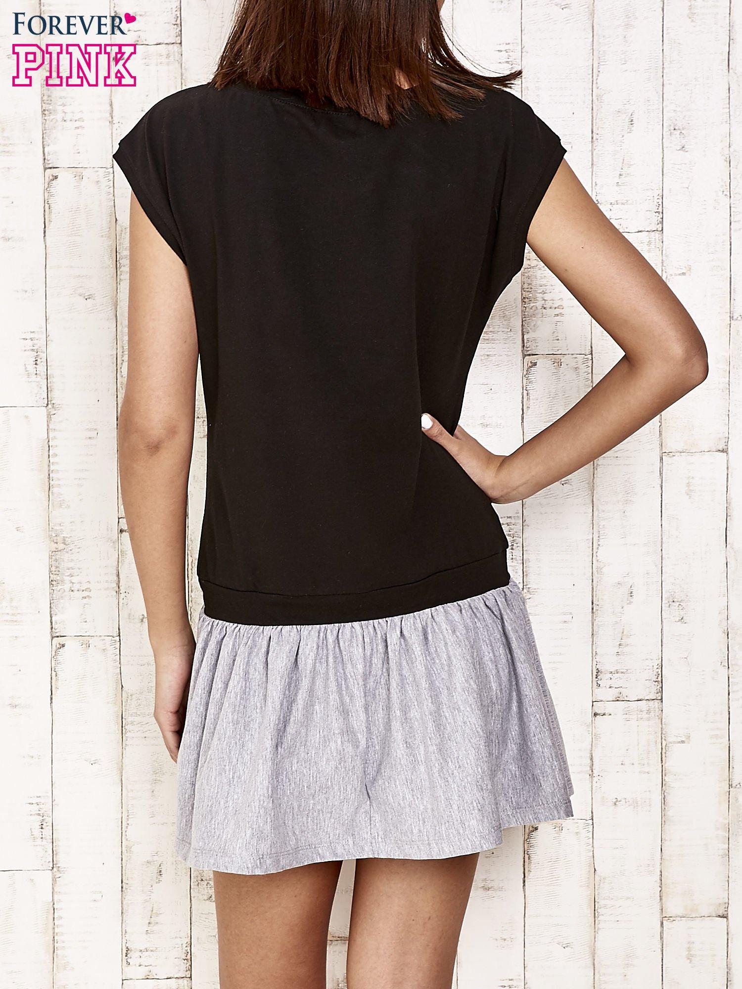 Czarna dresowa sukienka tenisowa z sercem                                  zdj.                                  2