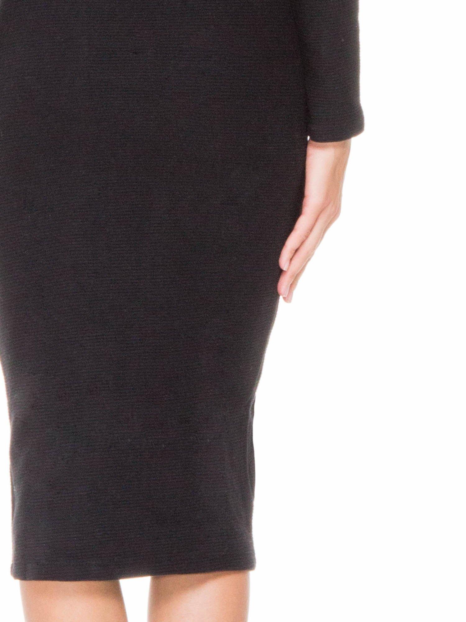 Czarna dzianinowa sukienka tuba z golfem                                  zdj.                                  7