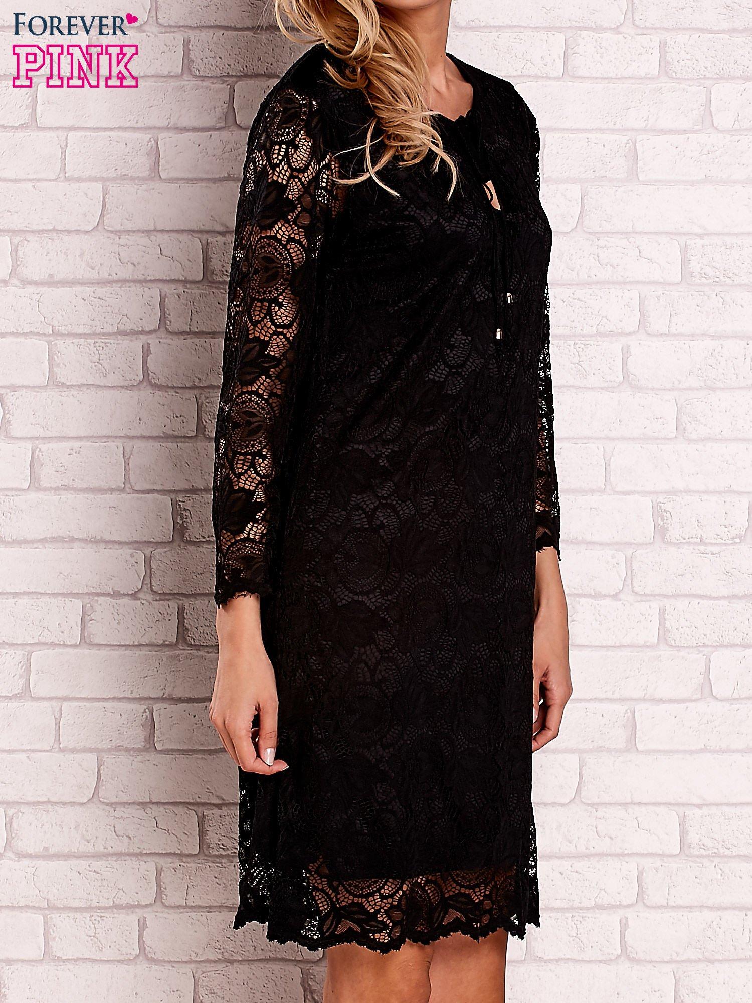 Czarna koronkowa sukienka z wiązaniem                                  zdj.                                  2