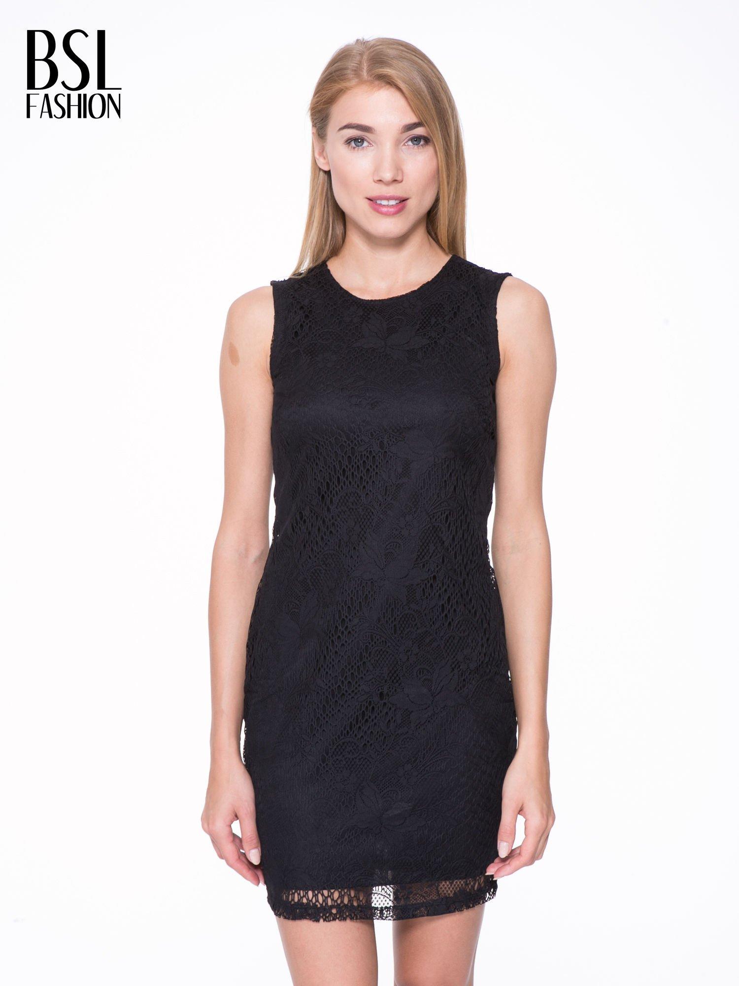c3a4844600 Czarna koronkowa sukienka z wycięciem na plecach - Sukienka ...
