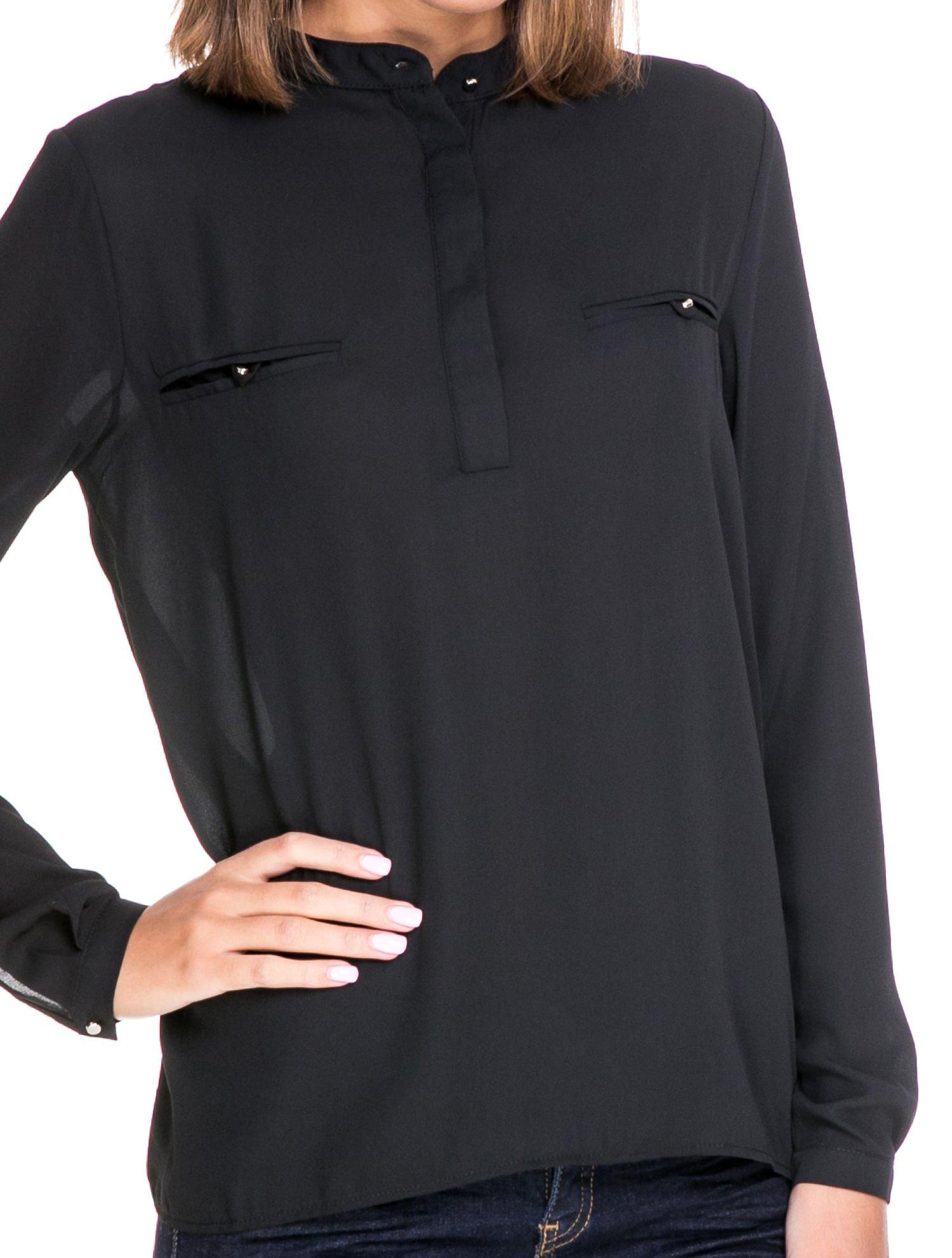 Czarna koszula ze stójką i kieszonkami na guziczki                                  zdj.                                  5
