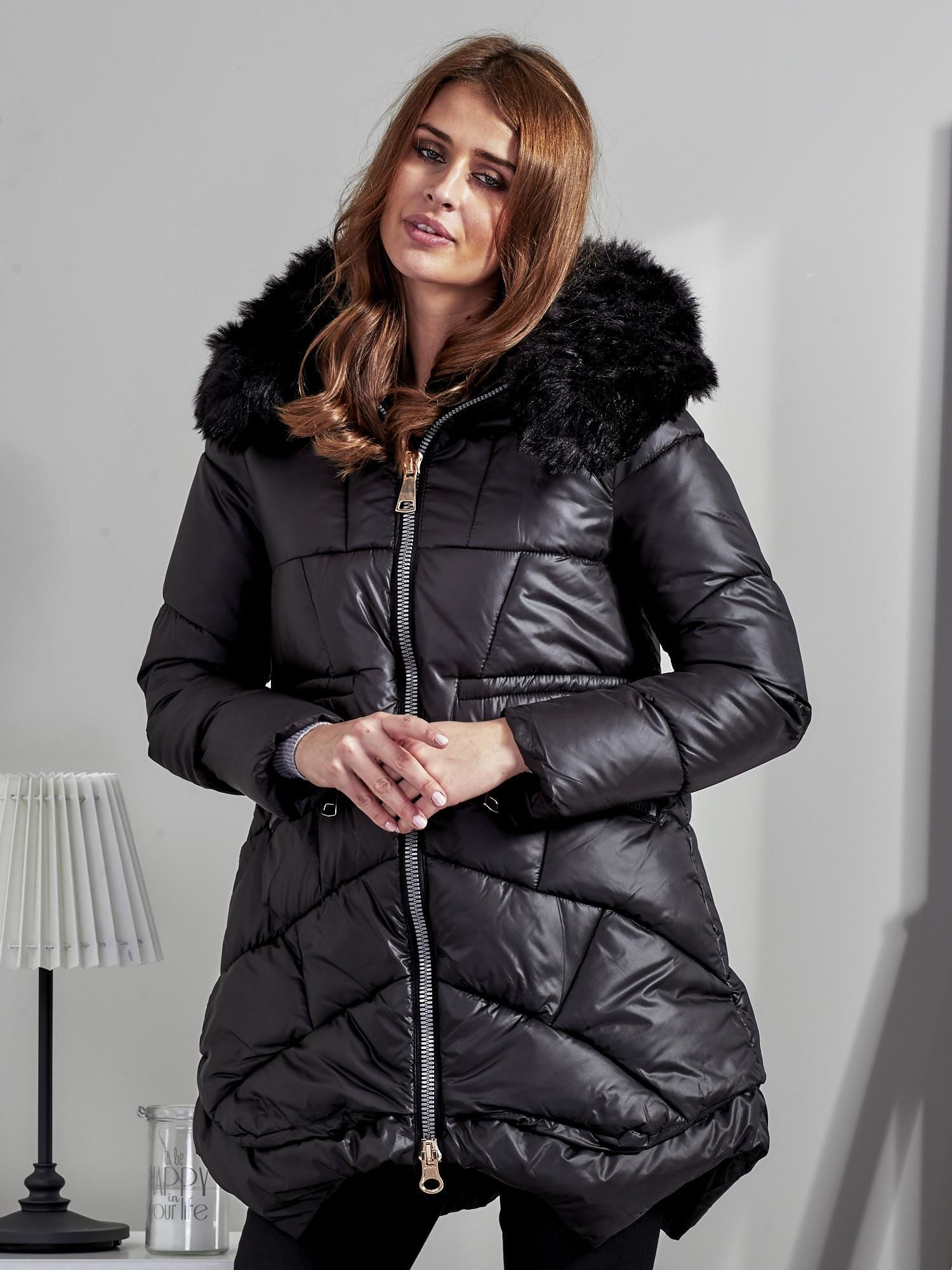 ac78985d04f47 Czarna kurtka damska z ozdobnymi suwakami - Kurtka zimowa - sklep eButik.pl