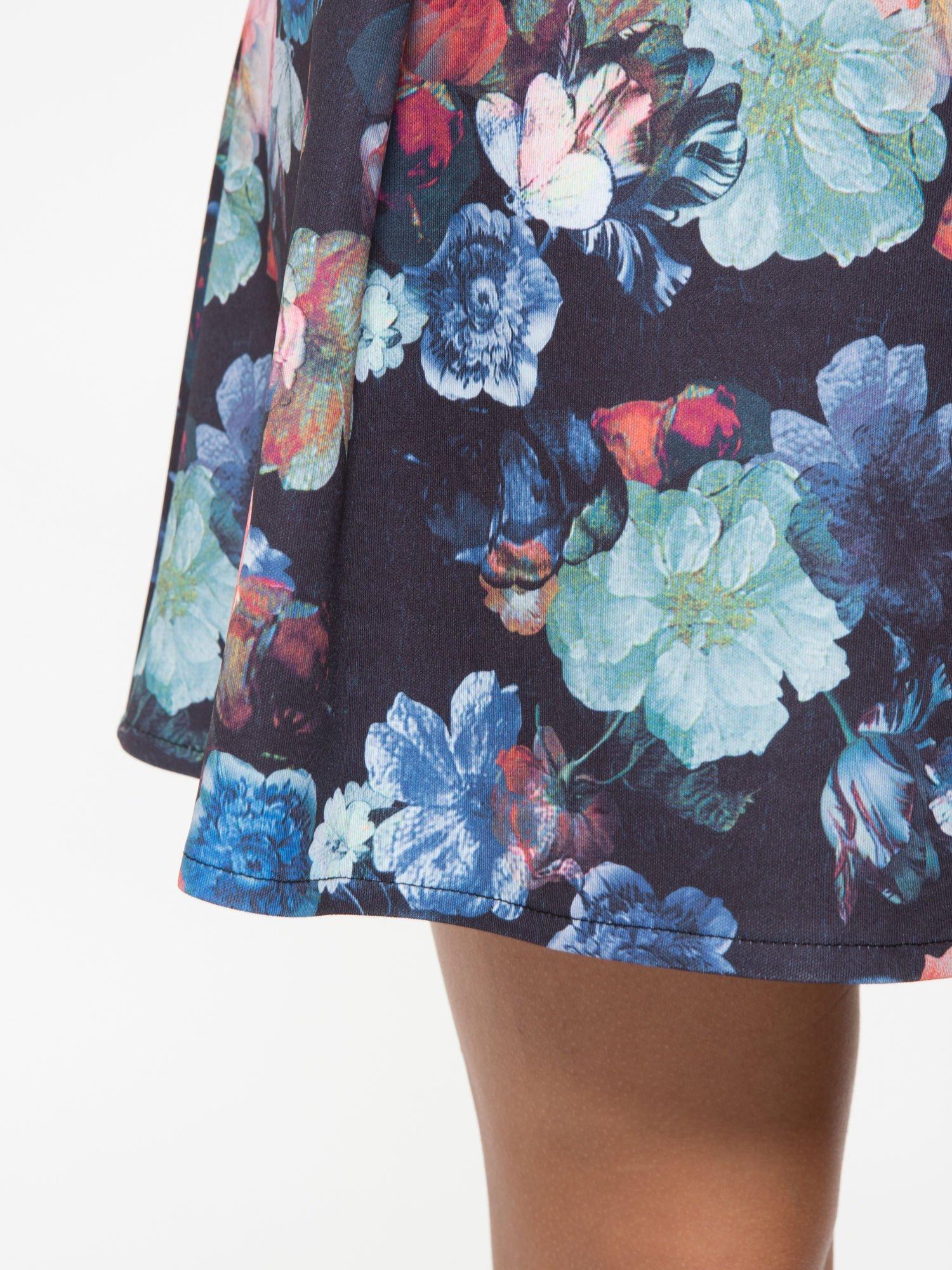 Czarna kwiatowa mini spódnica skater                                  zdj.                                  10
