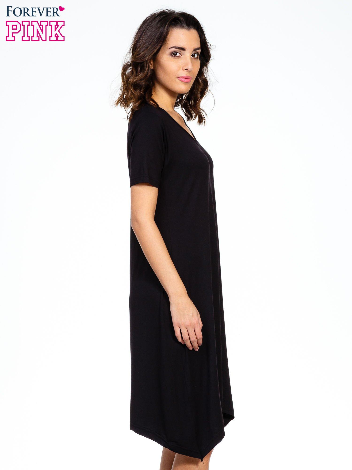 Czarna luźna sukienka z asymetrycznym dołem                                  zdj.                                  5