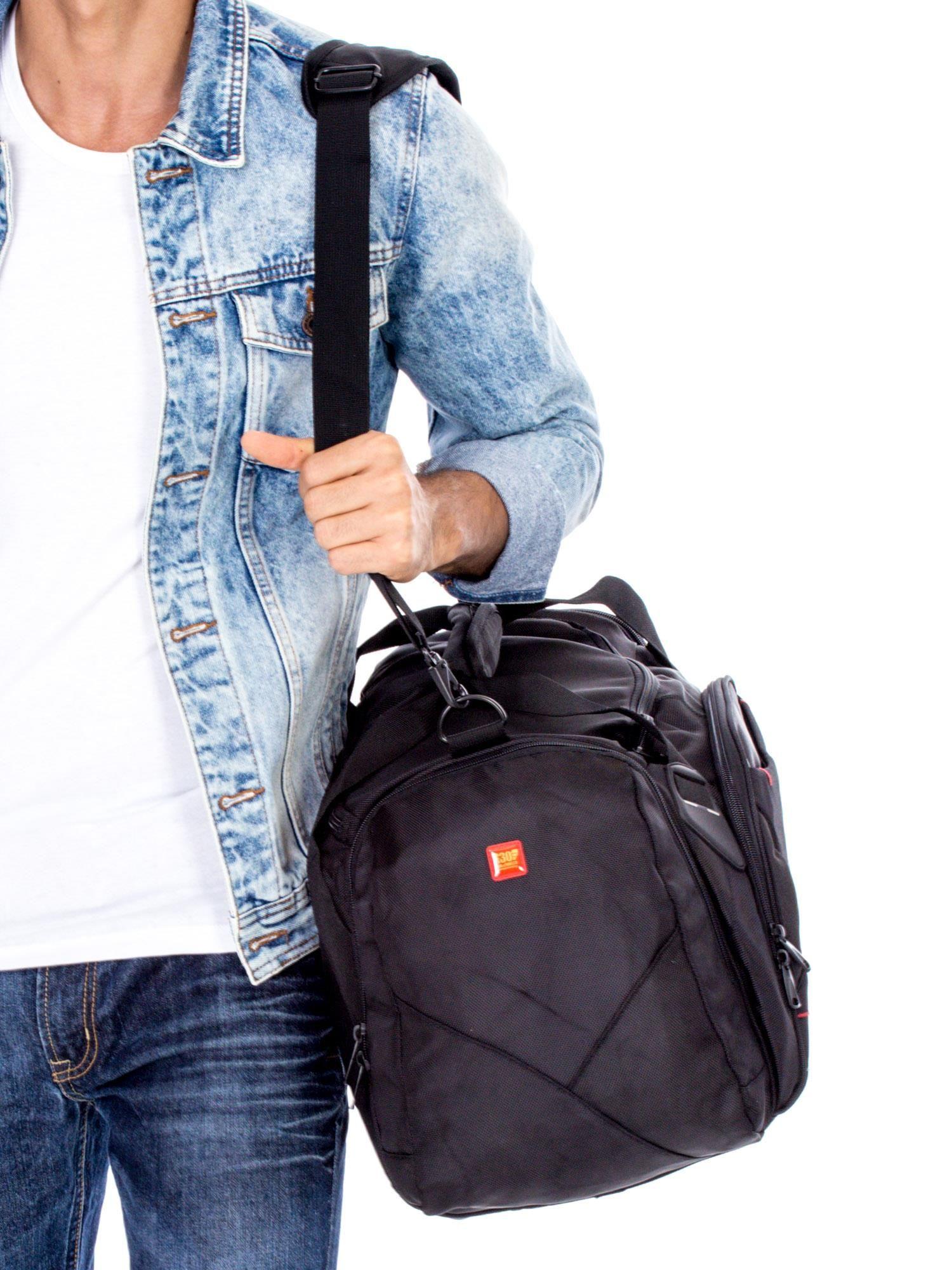 ca492cd0b8a6a Czarna materiałowa torba męska podróżna - Mężczyźni Torba męska - sklep  eButik.pl
