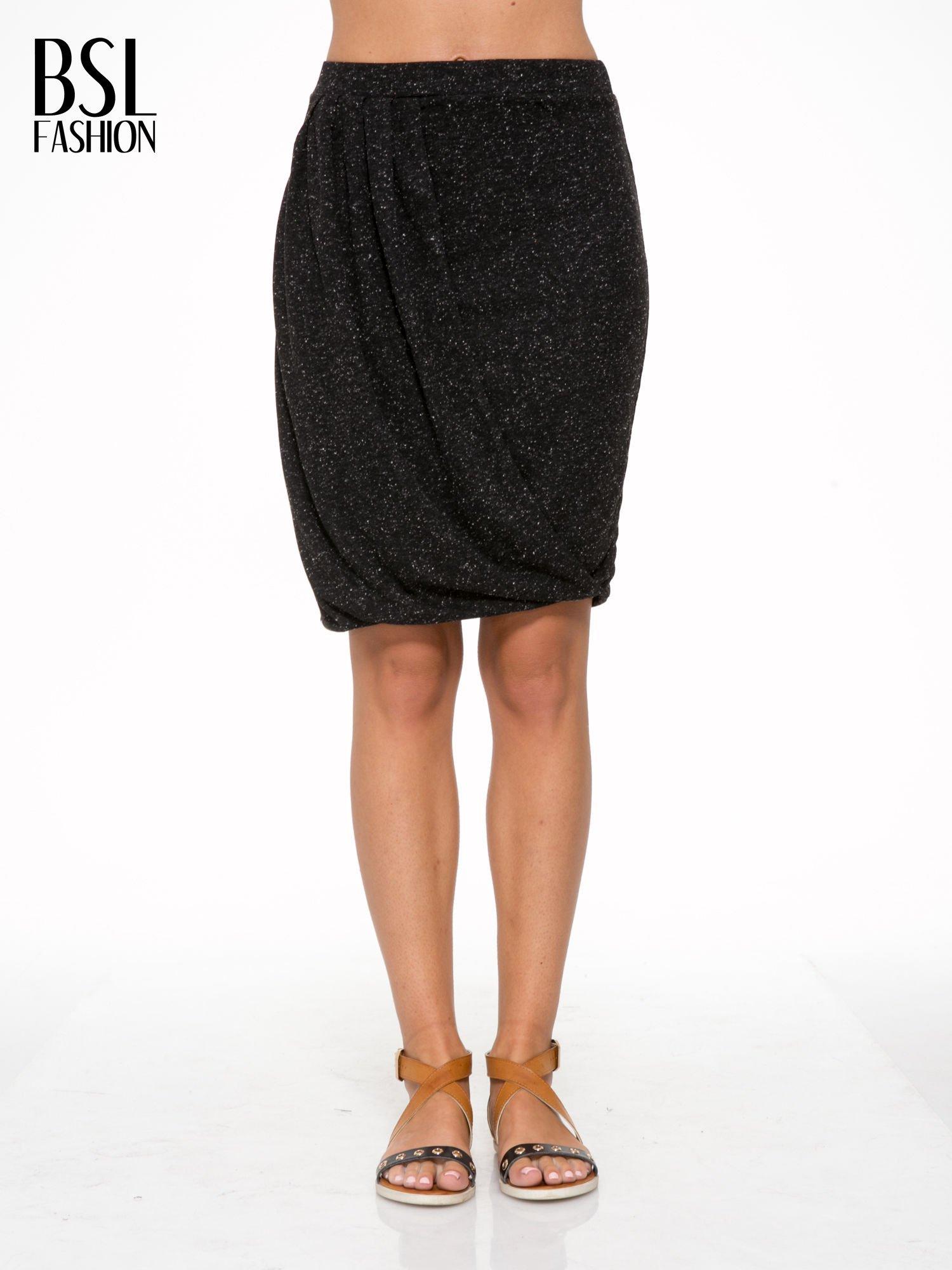 Czarna melanżowa spódnica z drapowaniem                                  zdj.                                  1