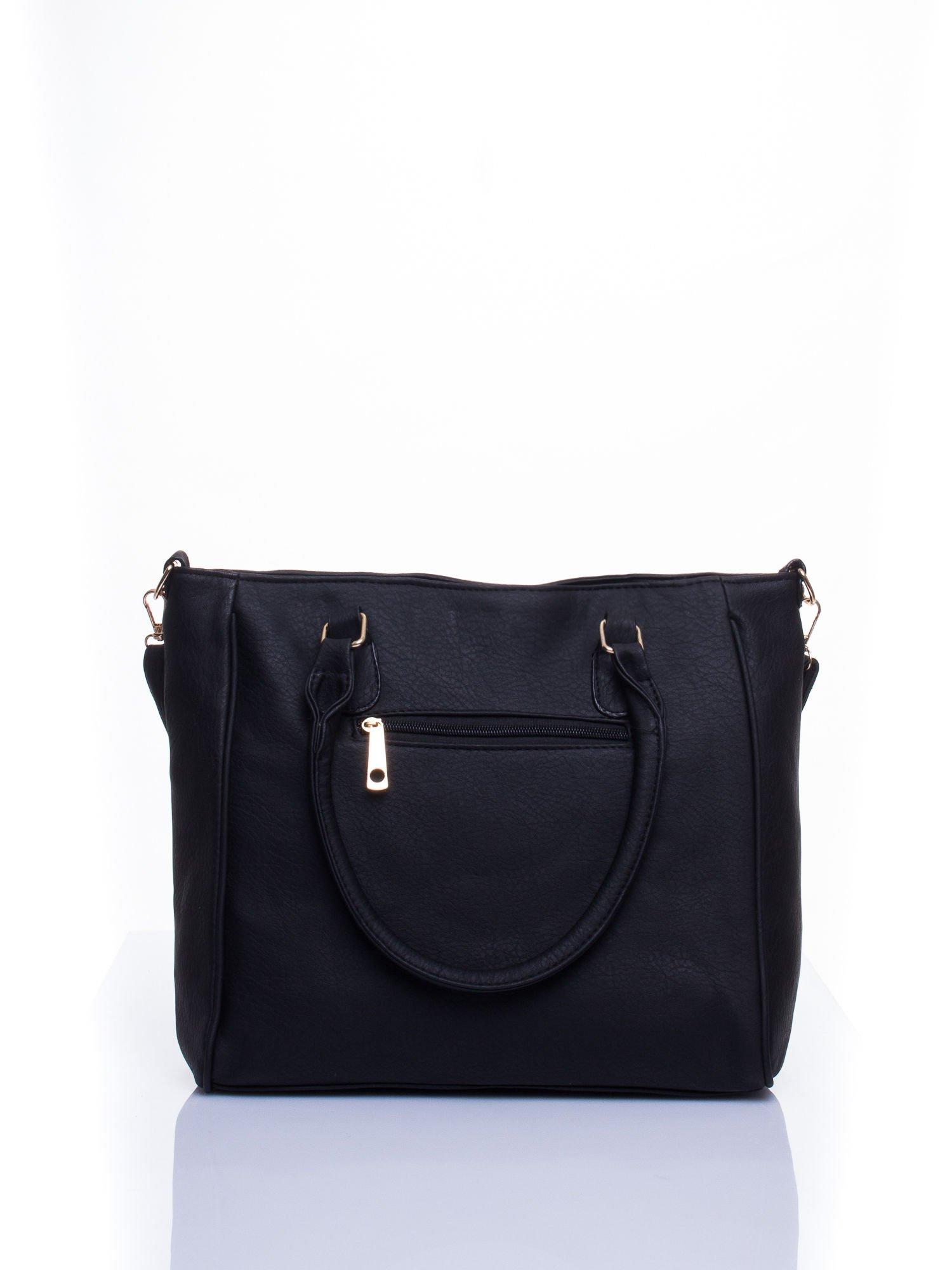 Czarna miejska torba z ozdobnymi klamrami                                  zdj.                                  2