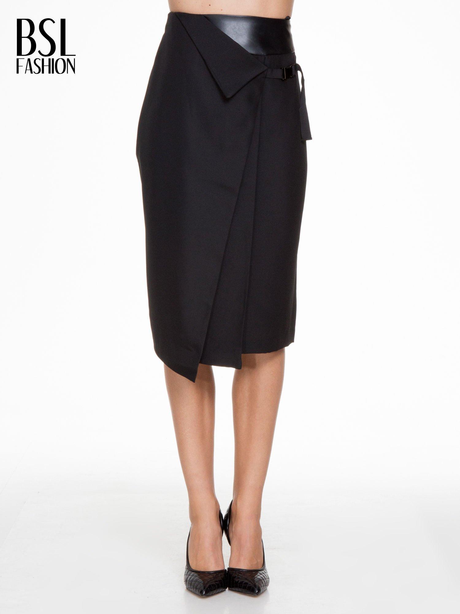 0c3542f720 Czarna ołówkowa spódnica z zakładkami i skórzanym pasem - Spódnica ...