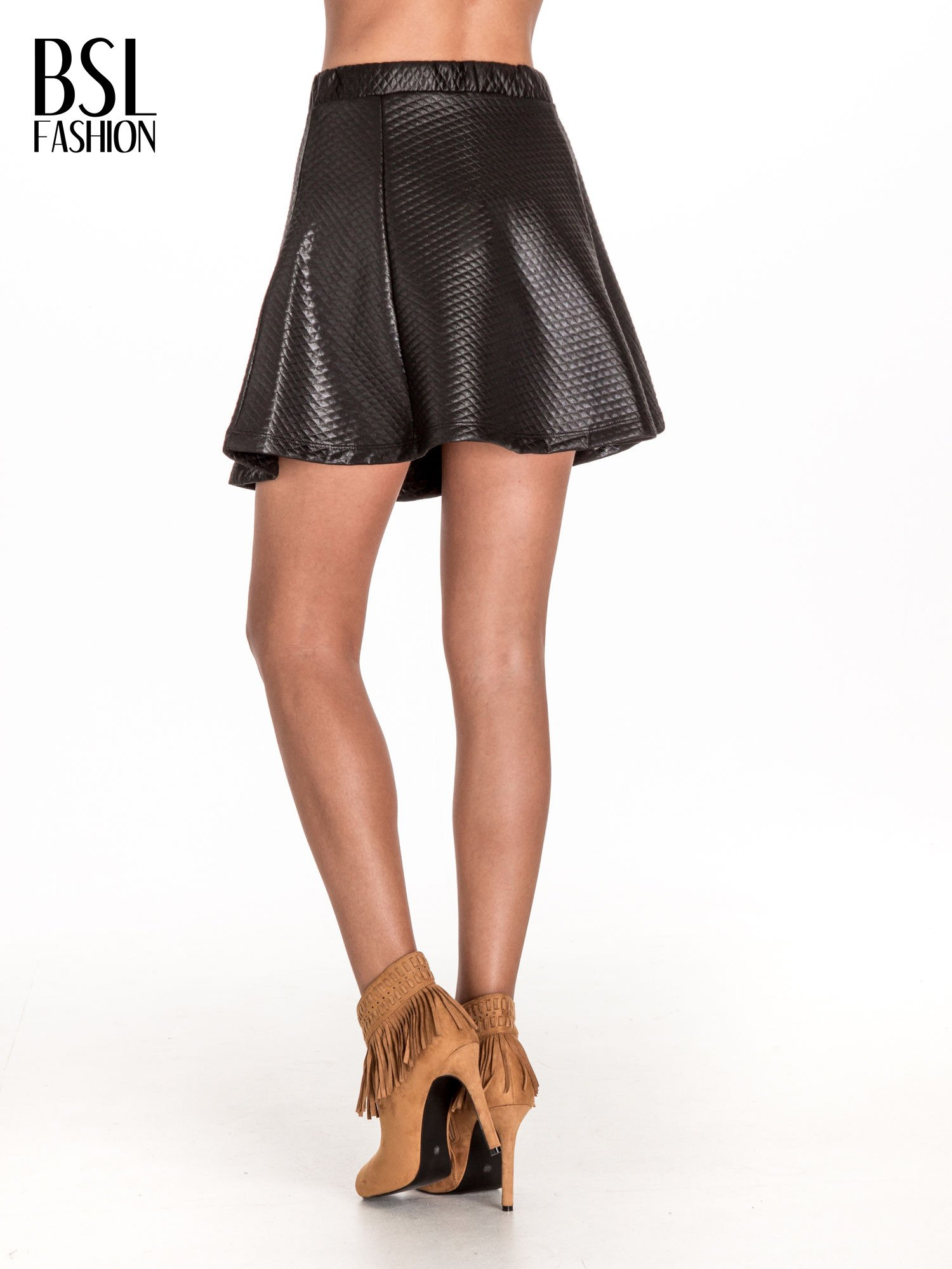 Czarna pikowana spódnica mini ze skóry                                  zdj.                                  4