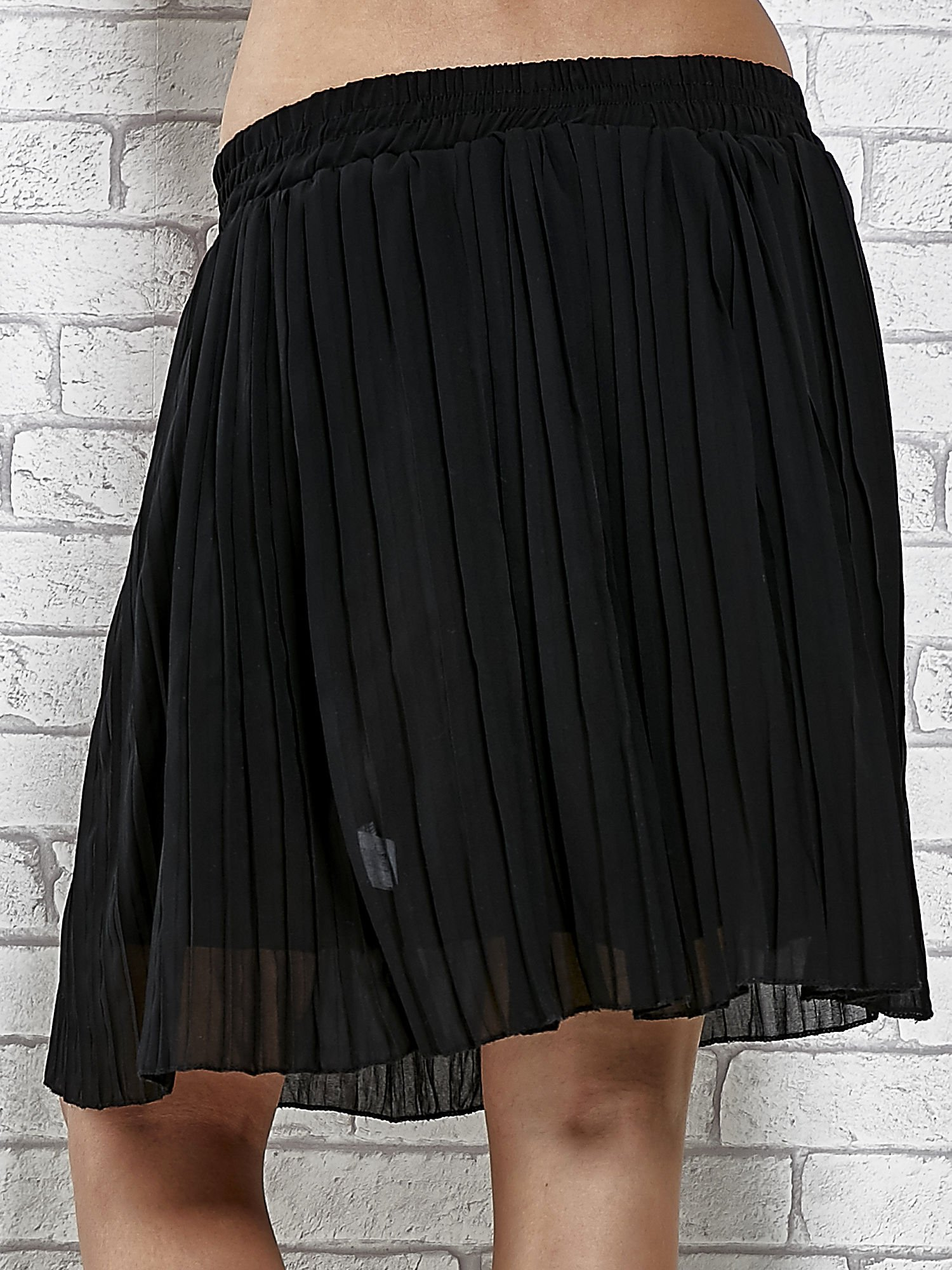 Czarna plisowana spódnica do kolan                                  zdj.                                  6
