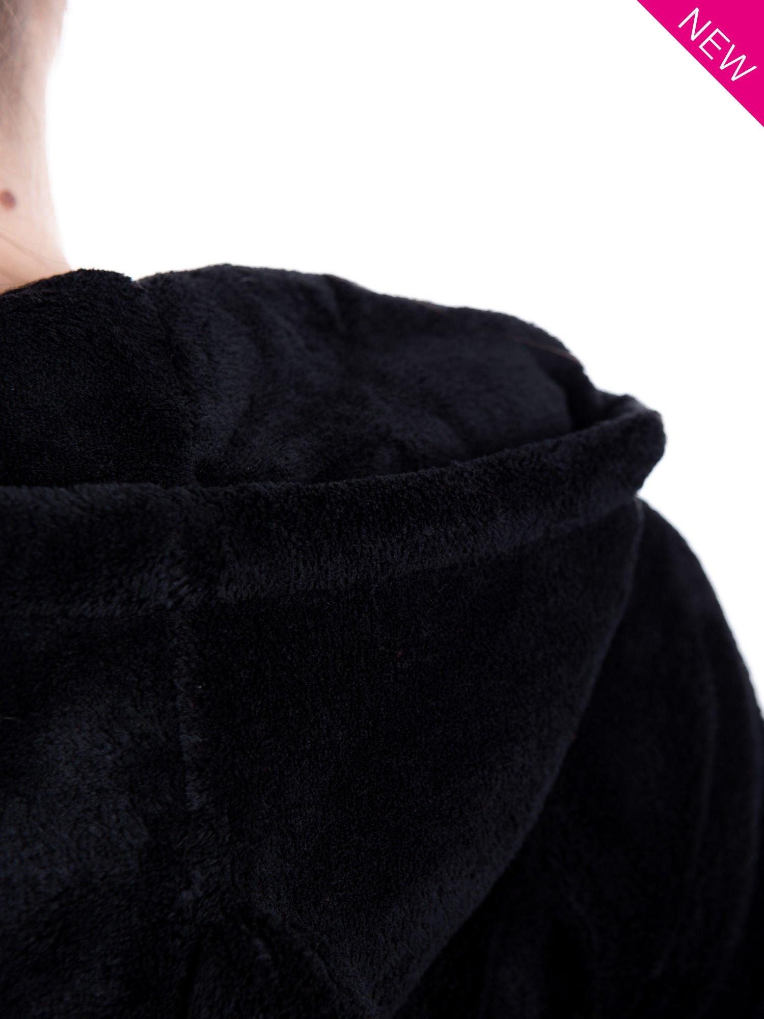 Czarna pluszowa bluza z kapturem z uszkami i pomponami                                  zdj.                                  10
