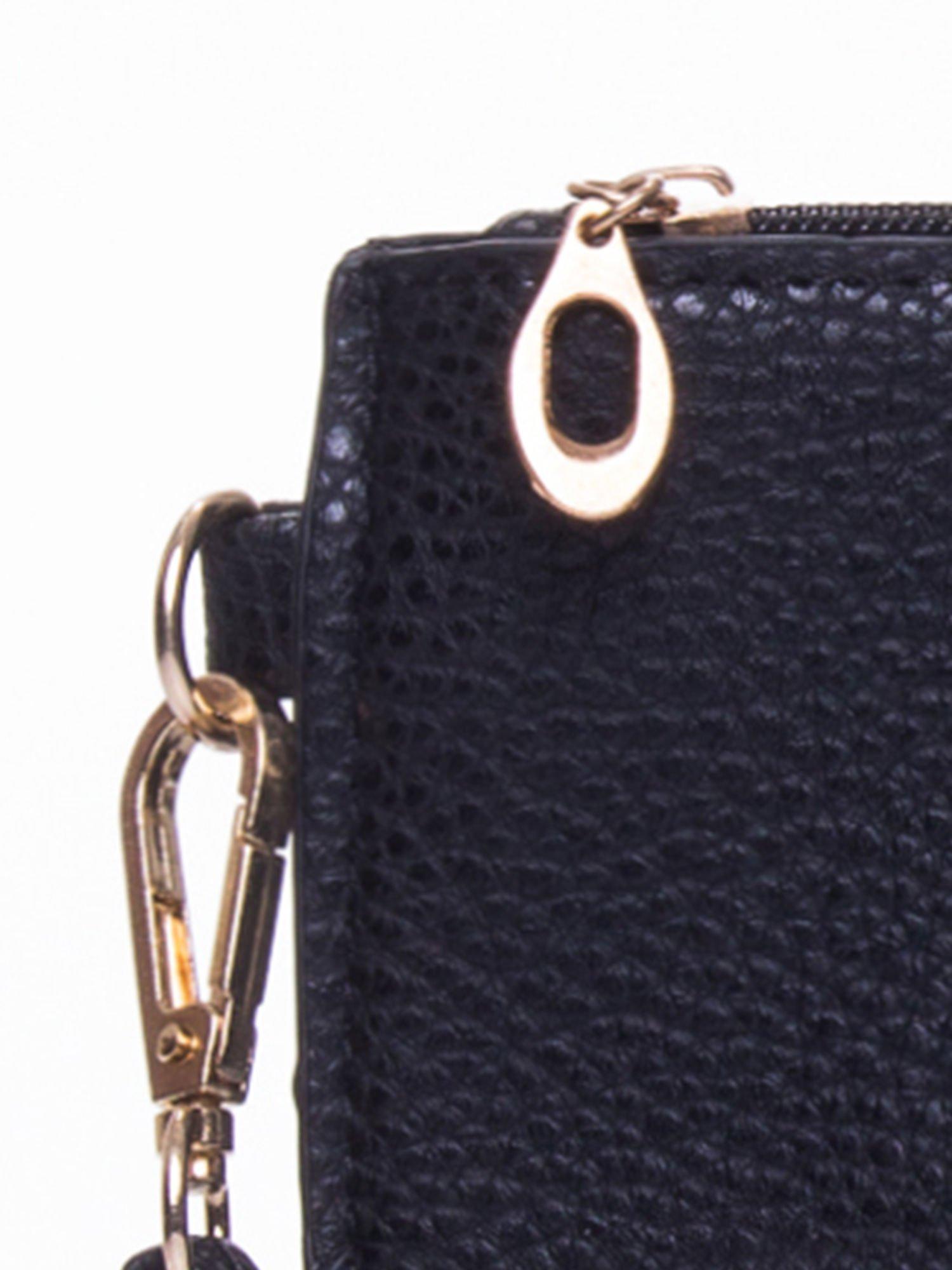 Czarna prosta przewieszana torebka z uchwytem                                  zdj.                                  7