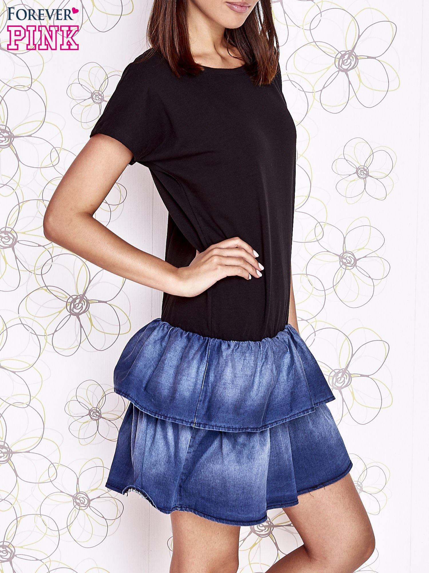Czarna sukienka dresowa z jeansowym dołem                                  zdj.                                  3