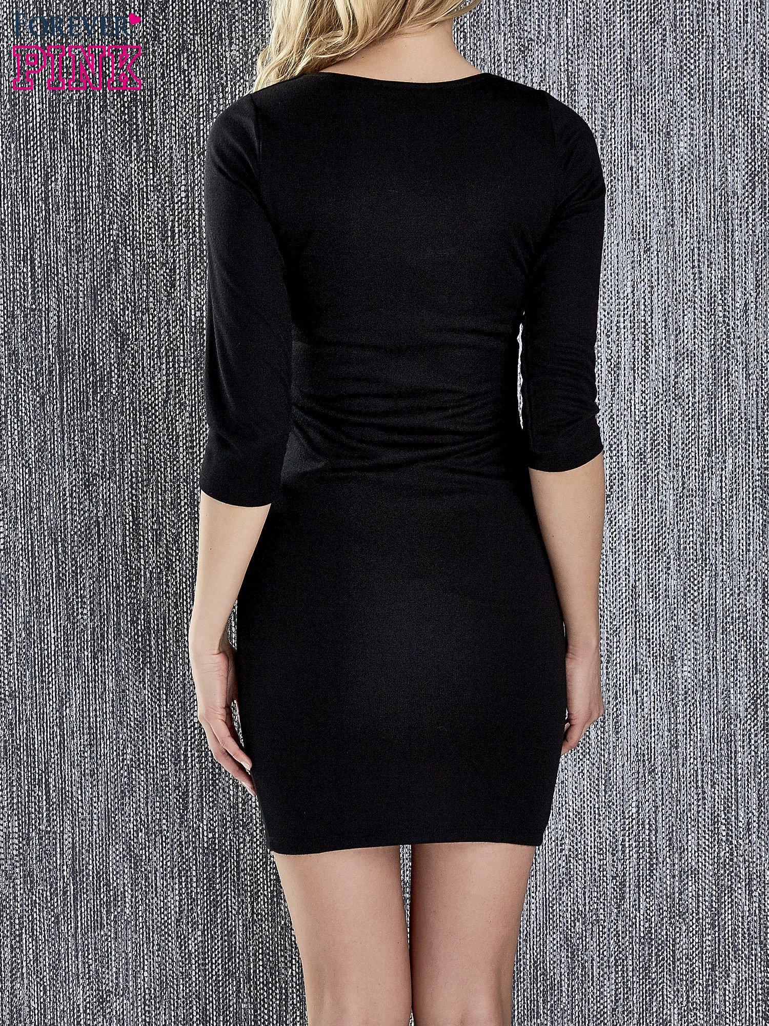 Czarna sukienka tuba ze skórzanymi modułami                                  zdj.                                  4