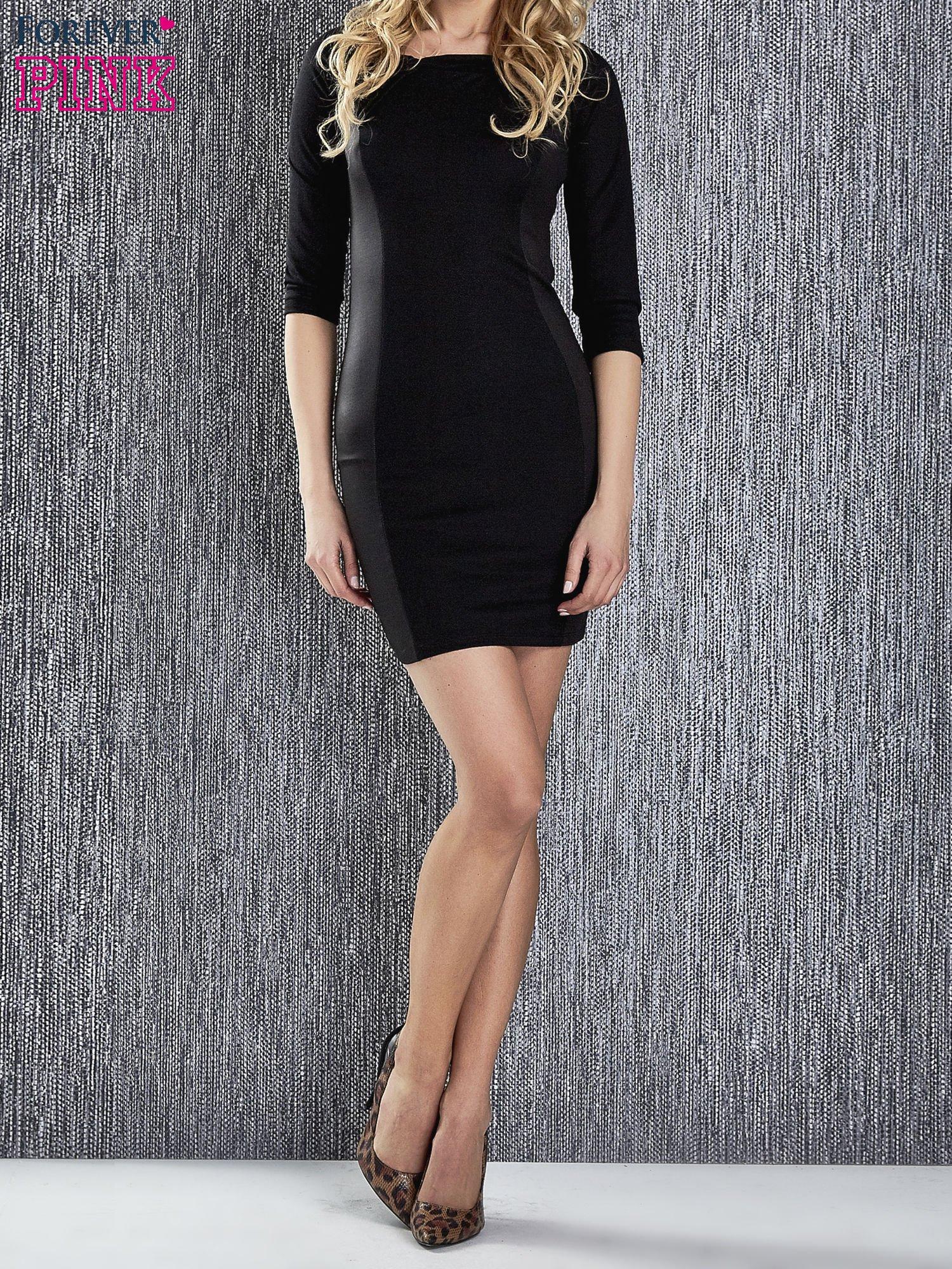 Czarna sukienka tuba ze skórzanymi modułami                                  zdj.                                  1