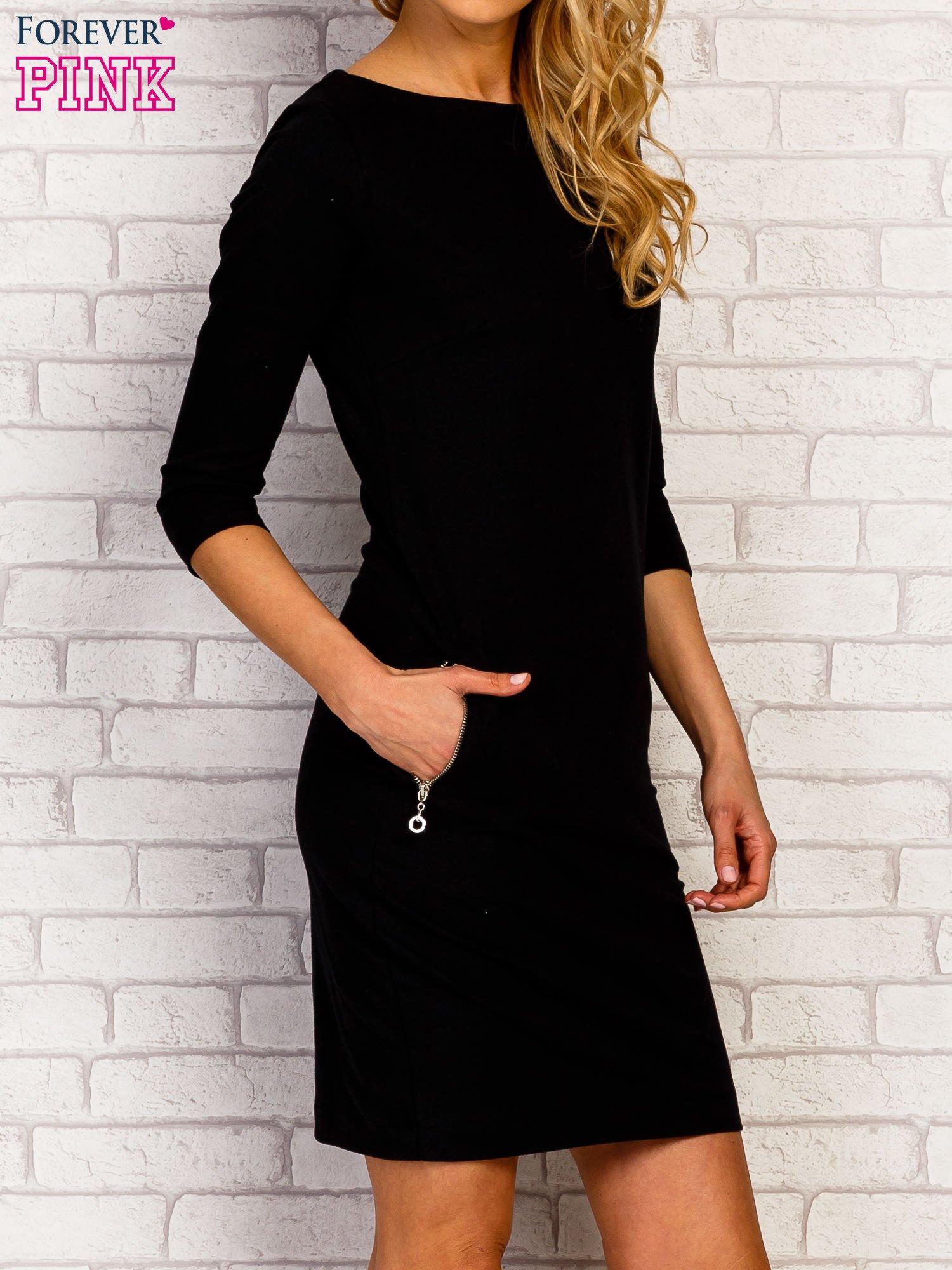 Czarna sukienka z kieszeniami na suwak                                  zdj.                                  3