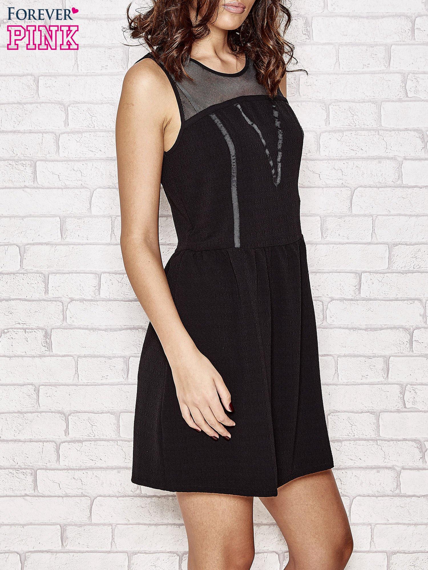 Czarna sukienka z siateczkową górą                                  zdj.                                  2