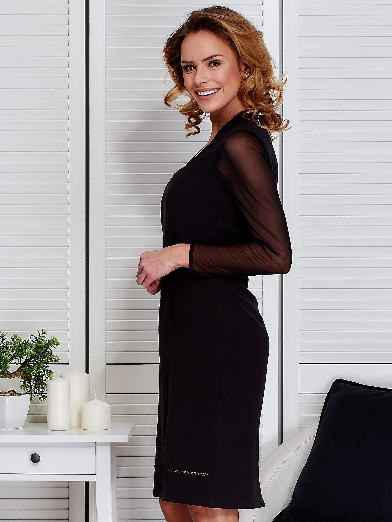 08c9ddcc63 Niebieska sukienka z siatkowymi rękawami - Sukienka koktajlowa - sklep  eButik.pl