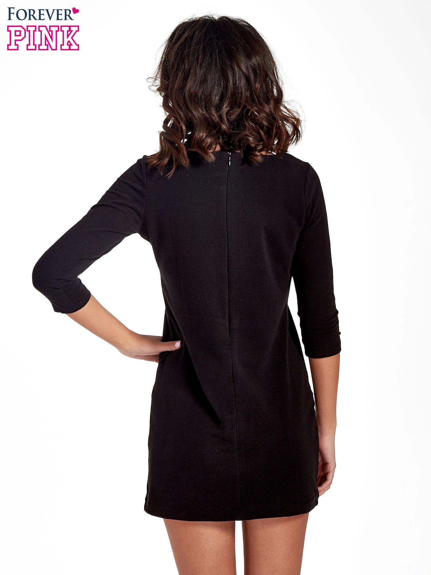 Czarna sukienka ze złotymi suwakami                                  zdj.                                  4