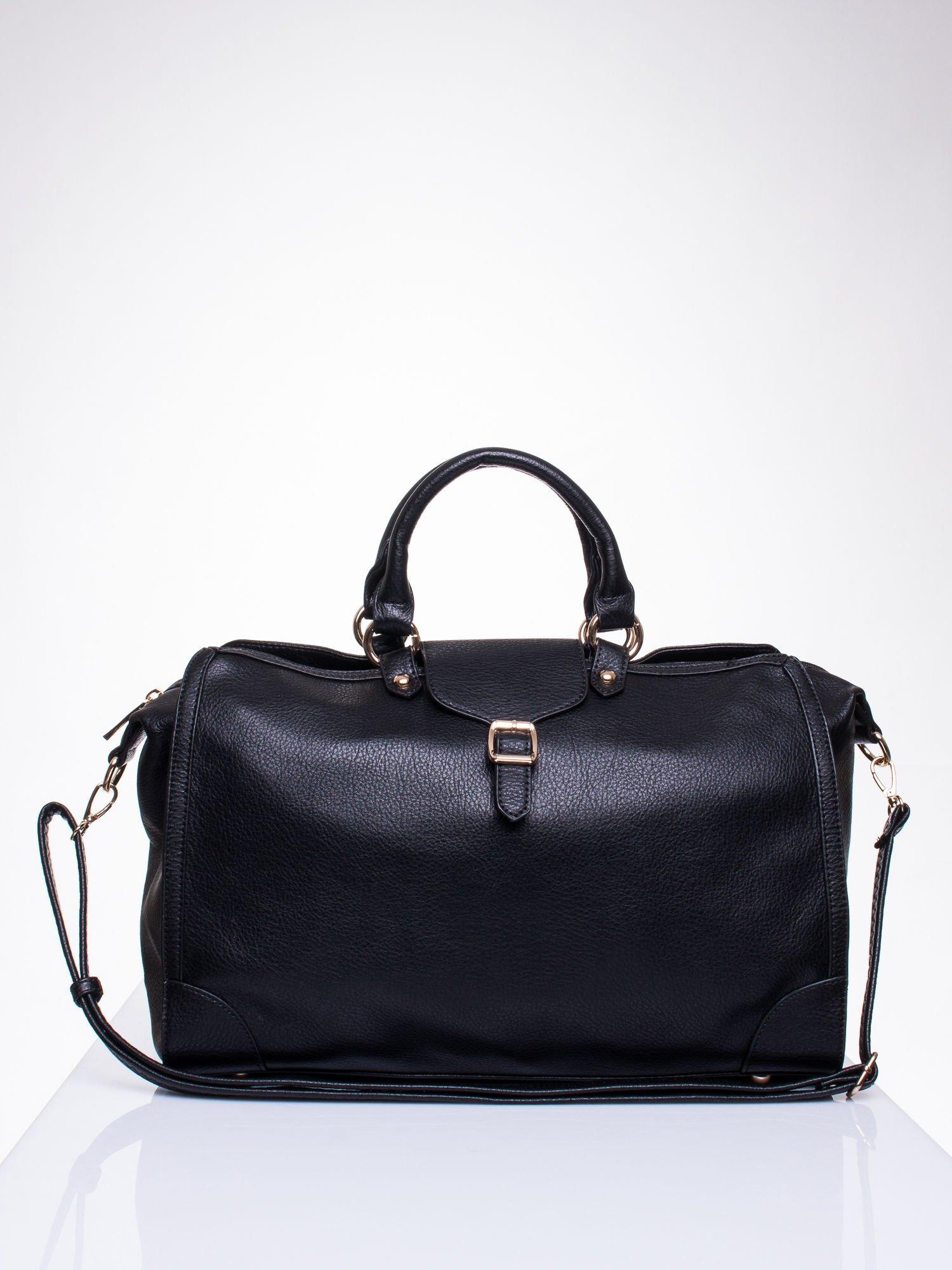 Czarna torba kuferek z klapką                                  zdj.                                  1