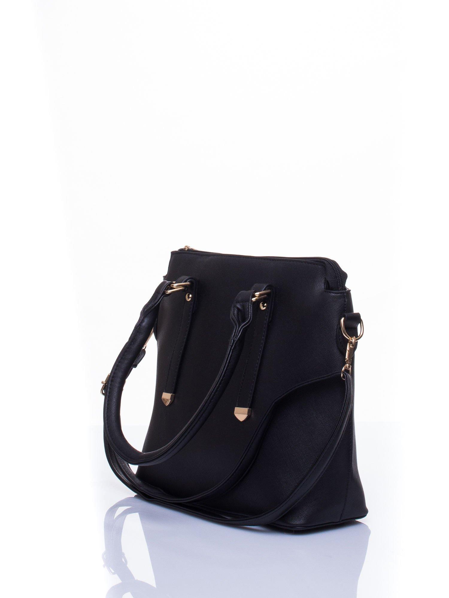 Czarna torba na ramię z ozdobnymi detalami                                   zdj.                                  5