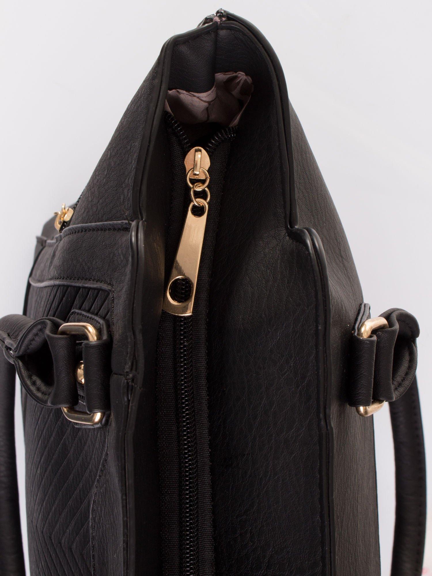 Czarna torba ze złotymi wykończeniami                                  zdj.                                  6