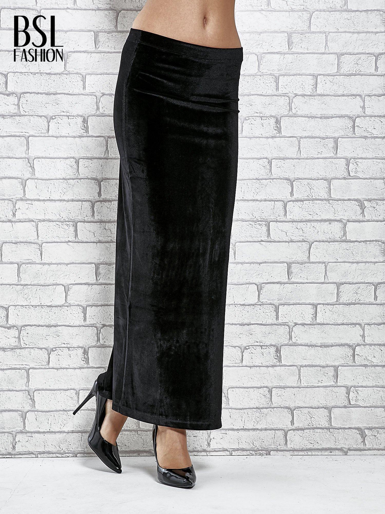 Czarna zamszowa spódnica maxi z rozporkiem                                  zdj.                                  1