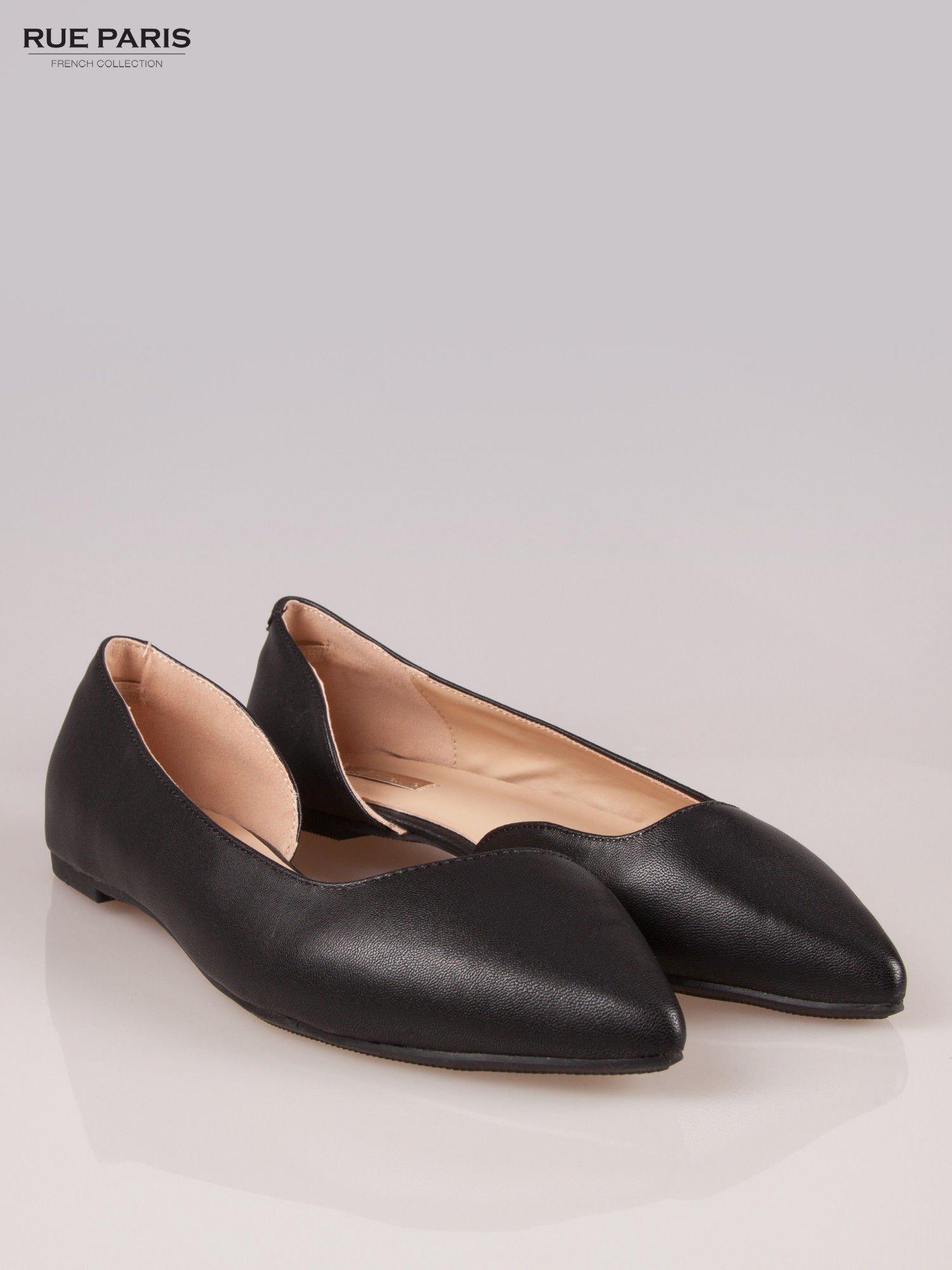 Czarne baleriny faux leather Cookie w szpic z wycięciem z boku                                  zdj.                                  2