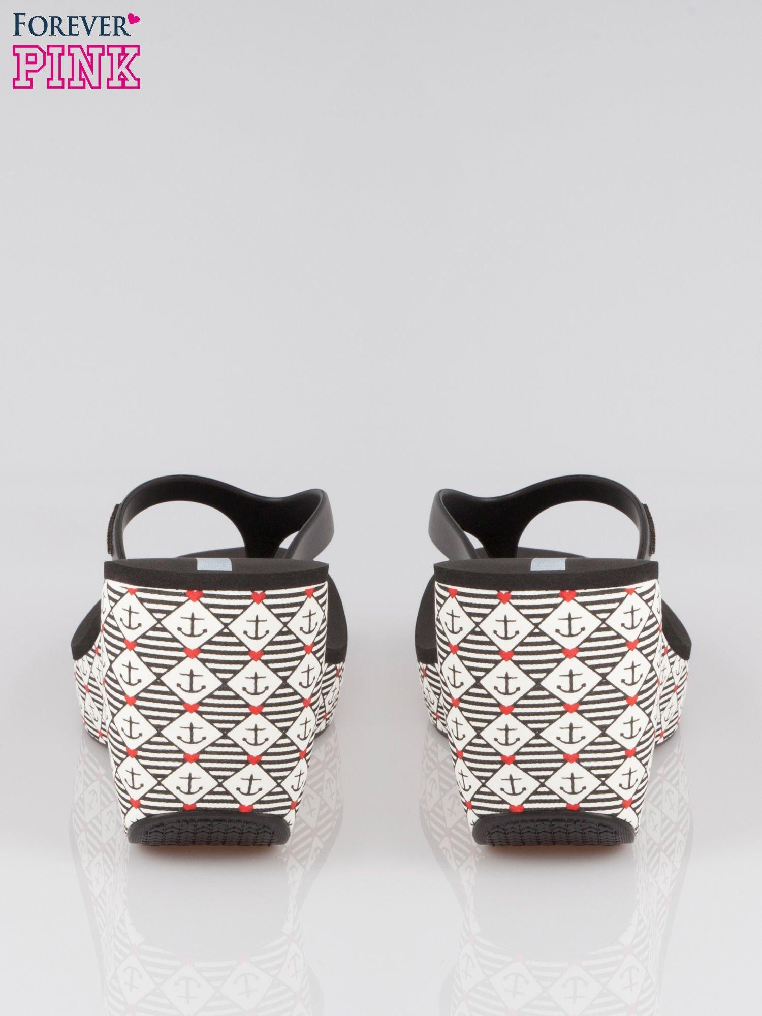 Czarne japonki na koturnie w kotwice                                  zdj.                                  3