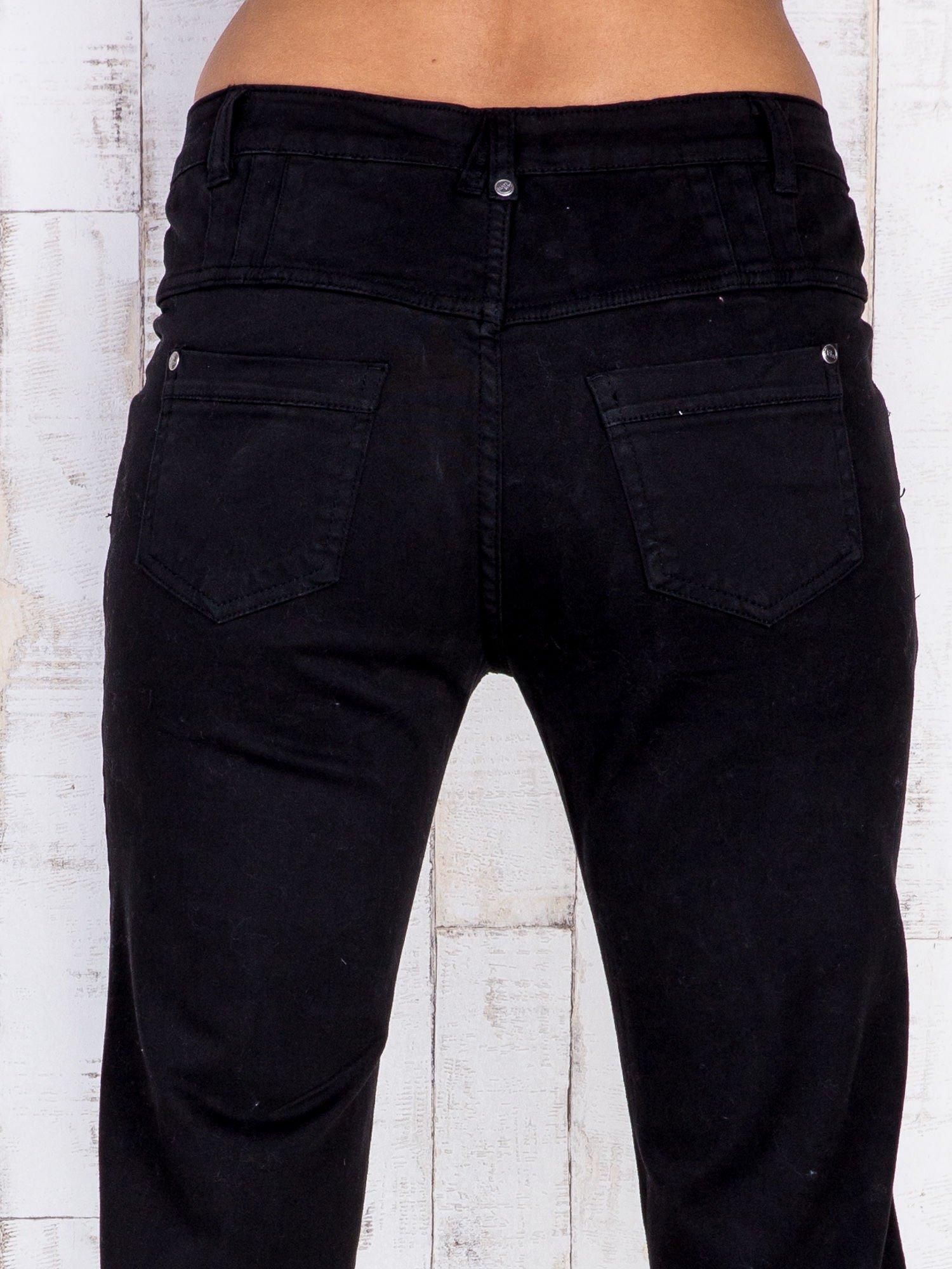 Czarne jeansowe spodnie skinny z wysokim stanem                                  zdj.                                  5