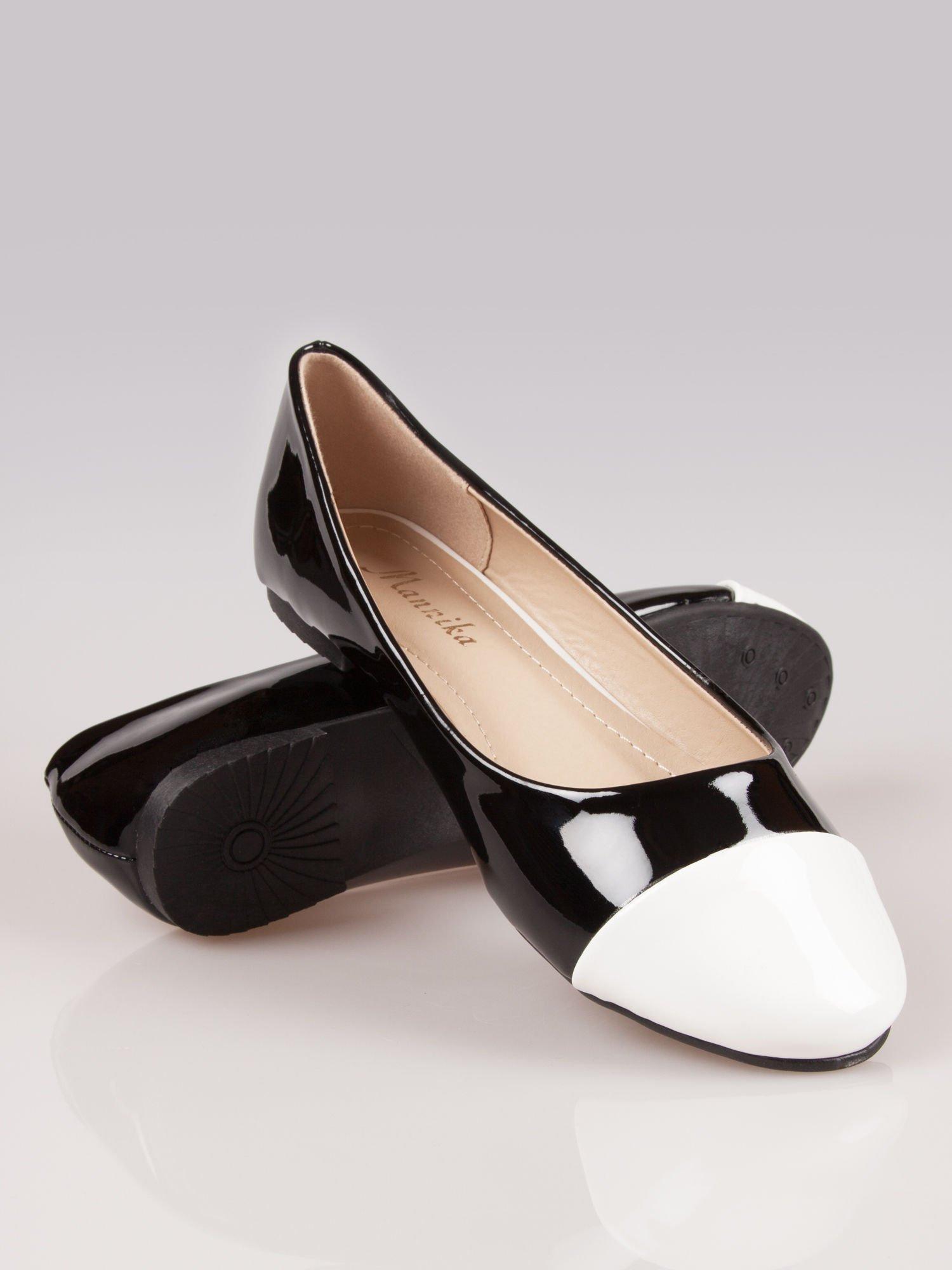 Czarne lakierowane baleriny Two-color z białym noskiem                                  zdj.                                  1