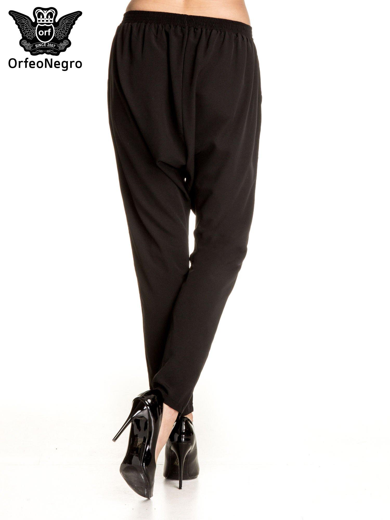 Czarne materiałowe spodnie baggy                                  zdj.                                  4