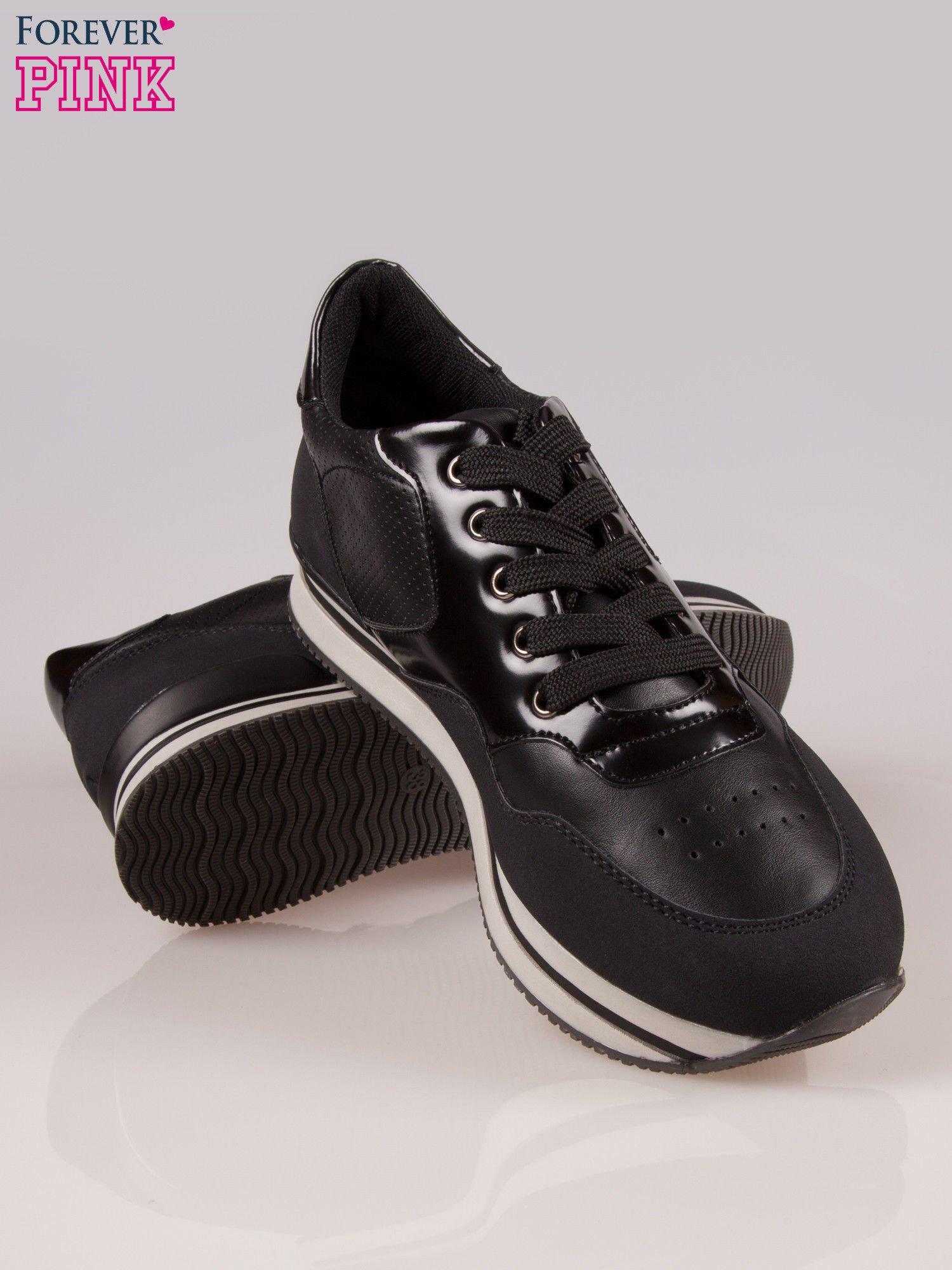 Czarne miejskie buty sportowe na warstwowej podeszwie                                  zdj.                                  4