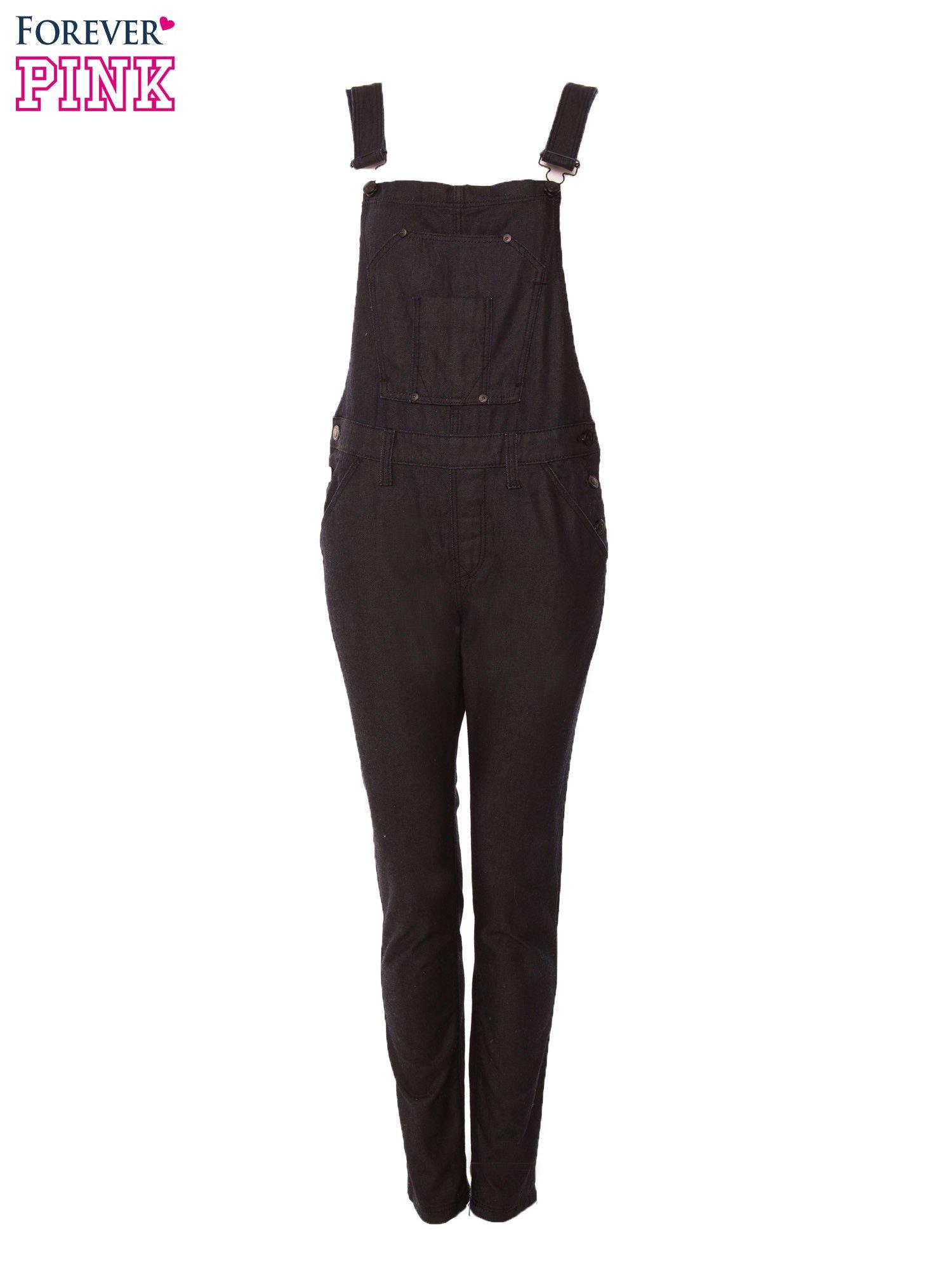 Czarne ogrodniczki jeansowe z kieszeniami                                  zdj.                                  1