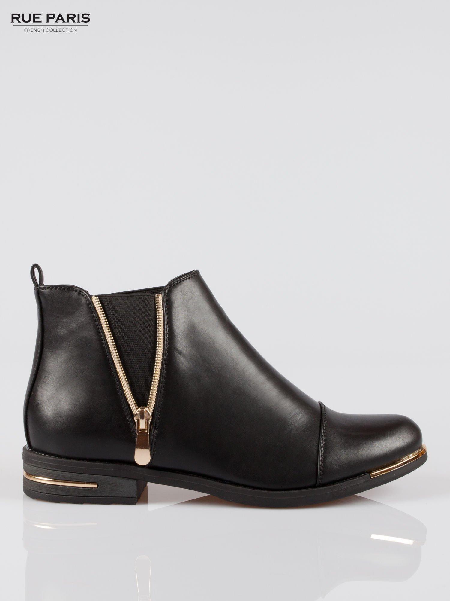 Czarne płaskie botki cap toe ze złotym suwakiem i obcasem                                  zdj.                                  1