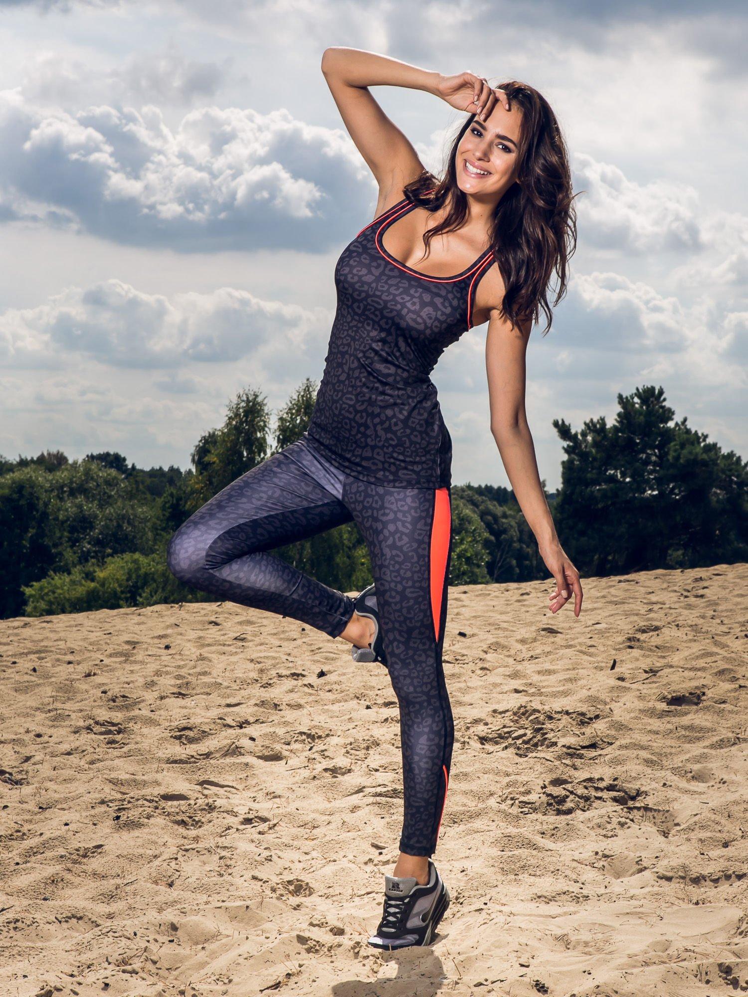 Czarne termoaktywne legginsy do biegania w panterkę z fluoróżowymi wstawkami po bokach ♦ Performance RUN                                  zdj.                                  10