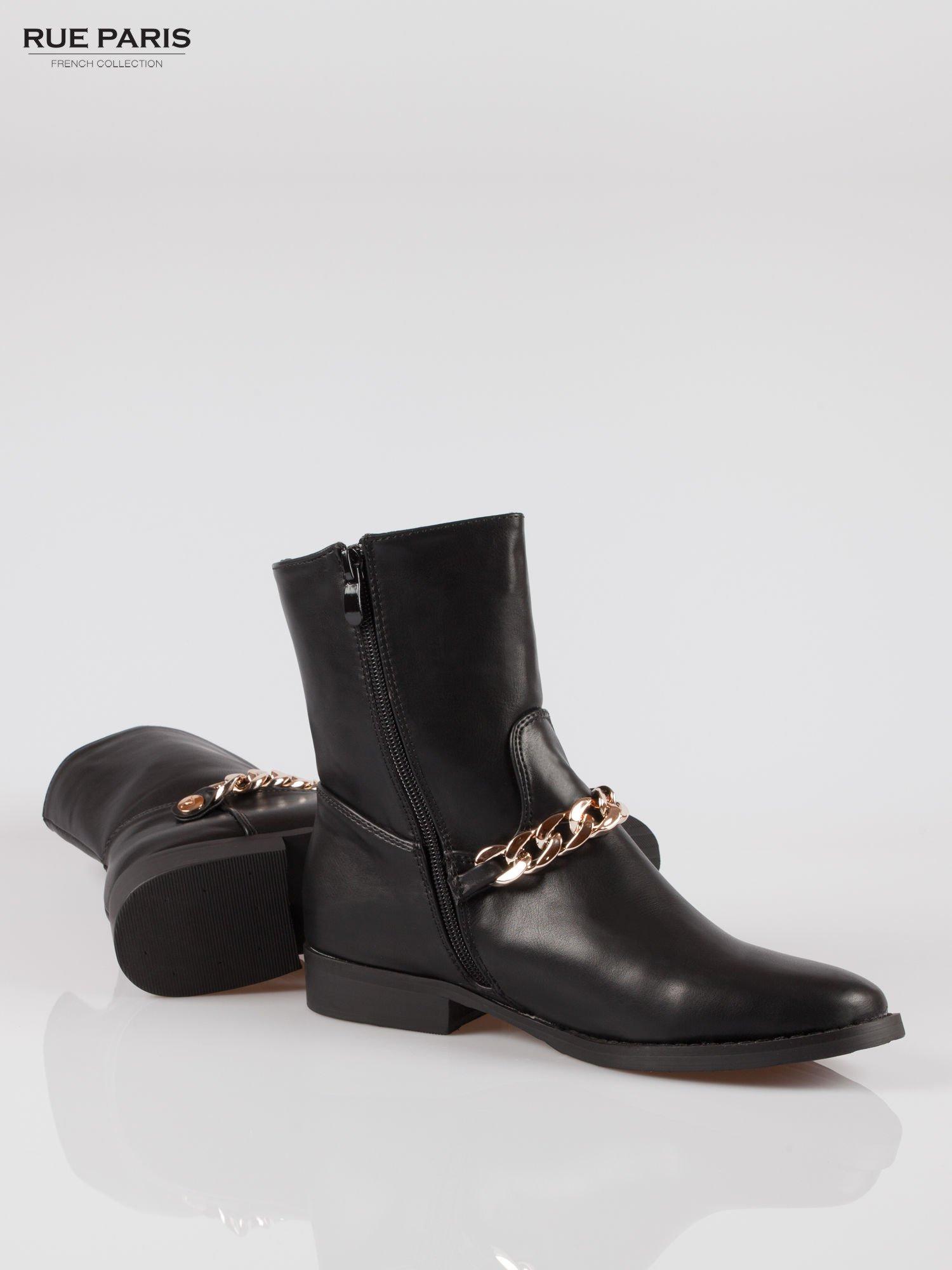 Czarne wysokie botki biker boots ze złotym łańcuchem                                  zdj.                                  4