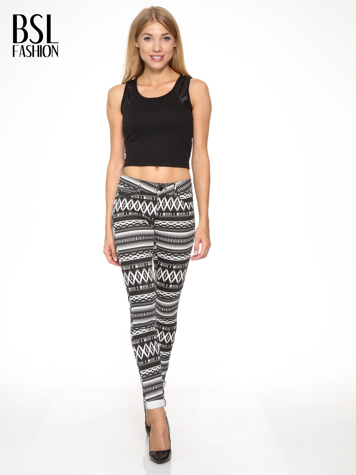 Czarno-białe spodnie rurki w azteckie wzory                                  zdj.                                  2