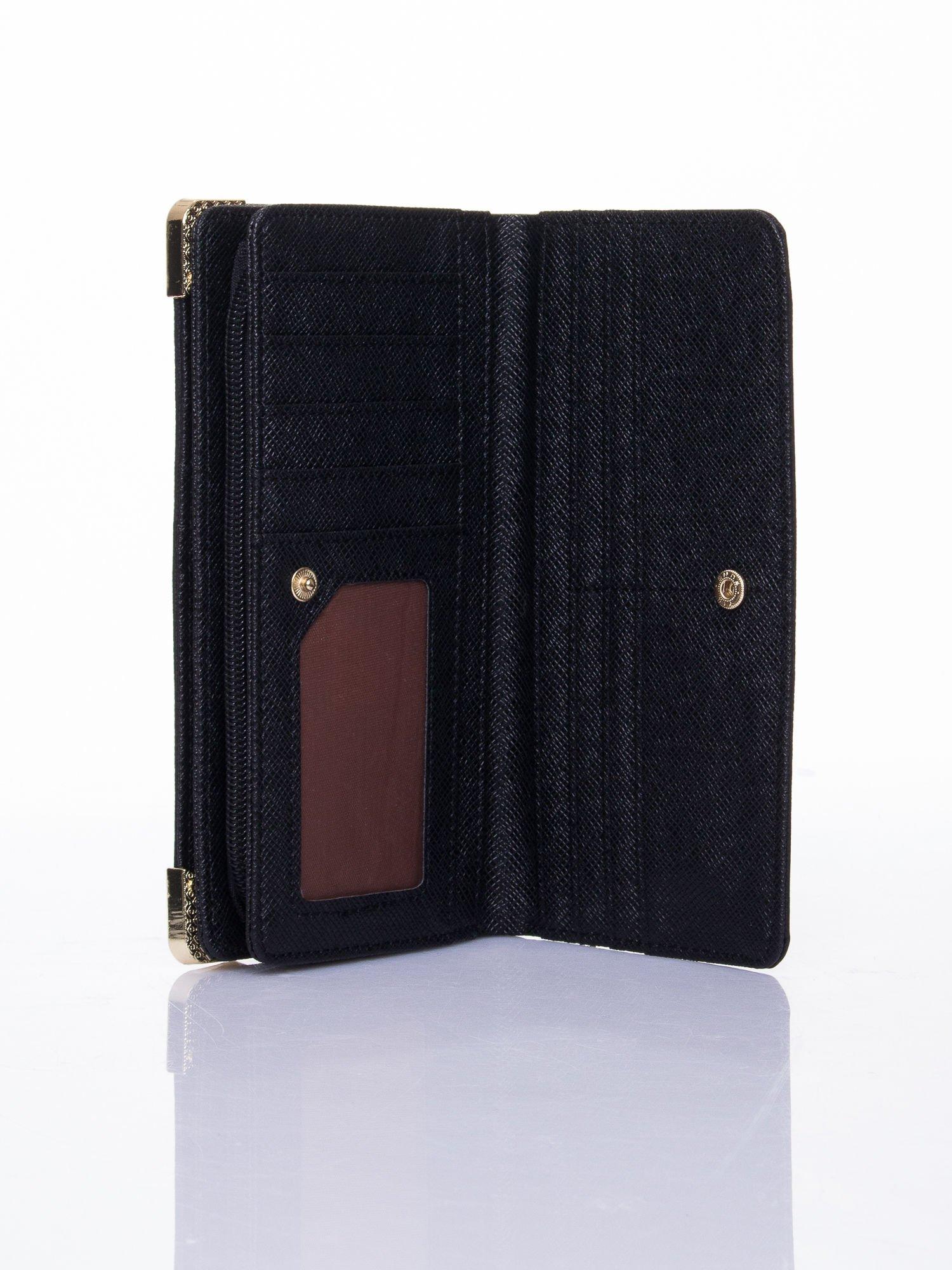 Czarny ażurowany portfel ze złotymi okuciami                                  zdj.                                  5