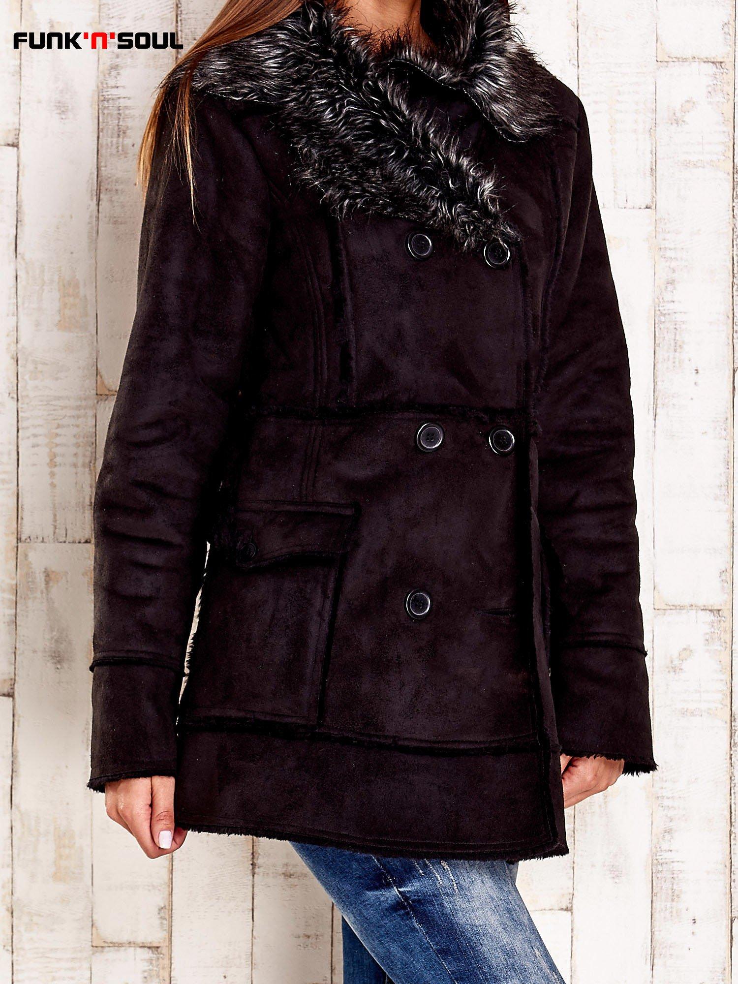 Czarny futrzany płaszcz z włochatym kołnierzem FUNK N SOUL                                  zdj.                                  3