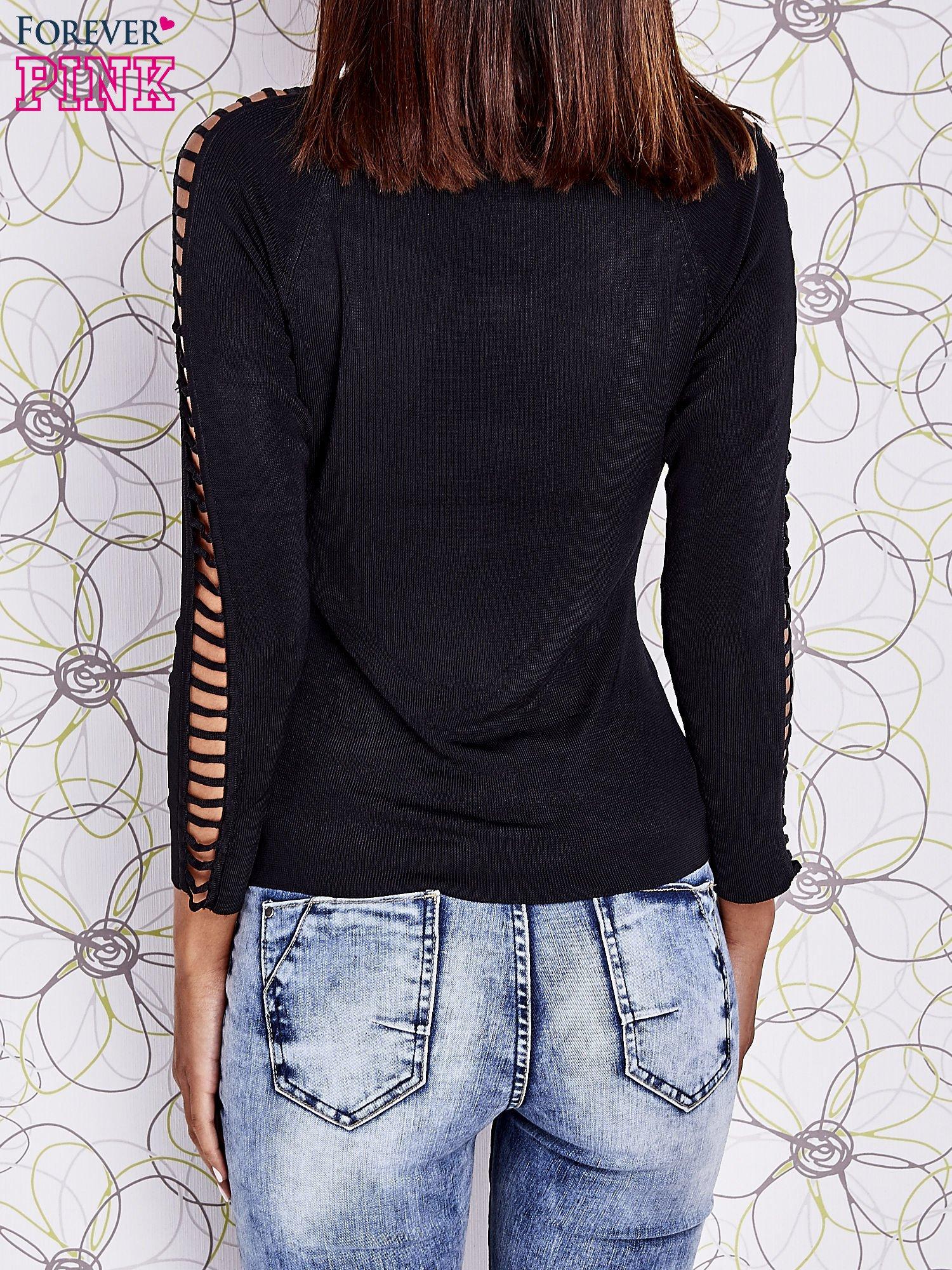 Czarny jedwabny sweter cut out shoulder                                  zdj.                                  4