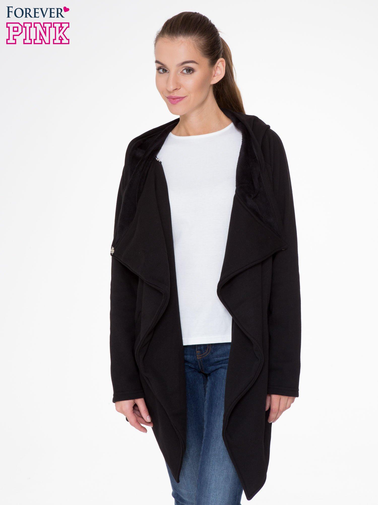 Czarny płaszcz dresowy z kapturem                                  zdj.                                  5