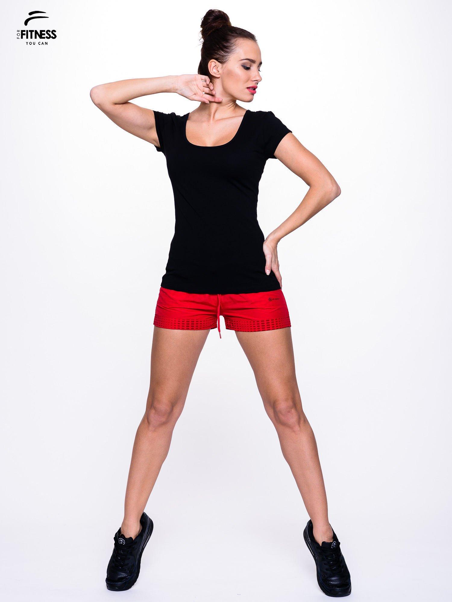 Czarny prosty t-shirt sportowy                                  zdj.                                  2